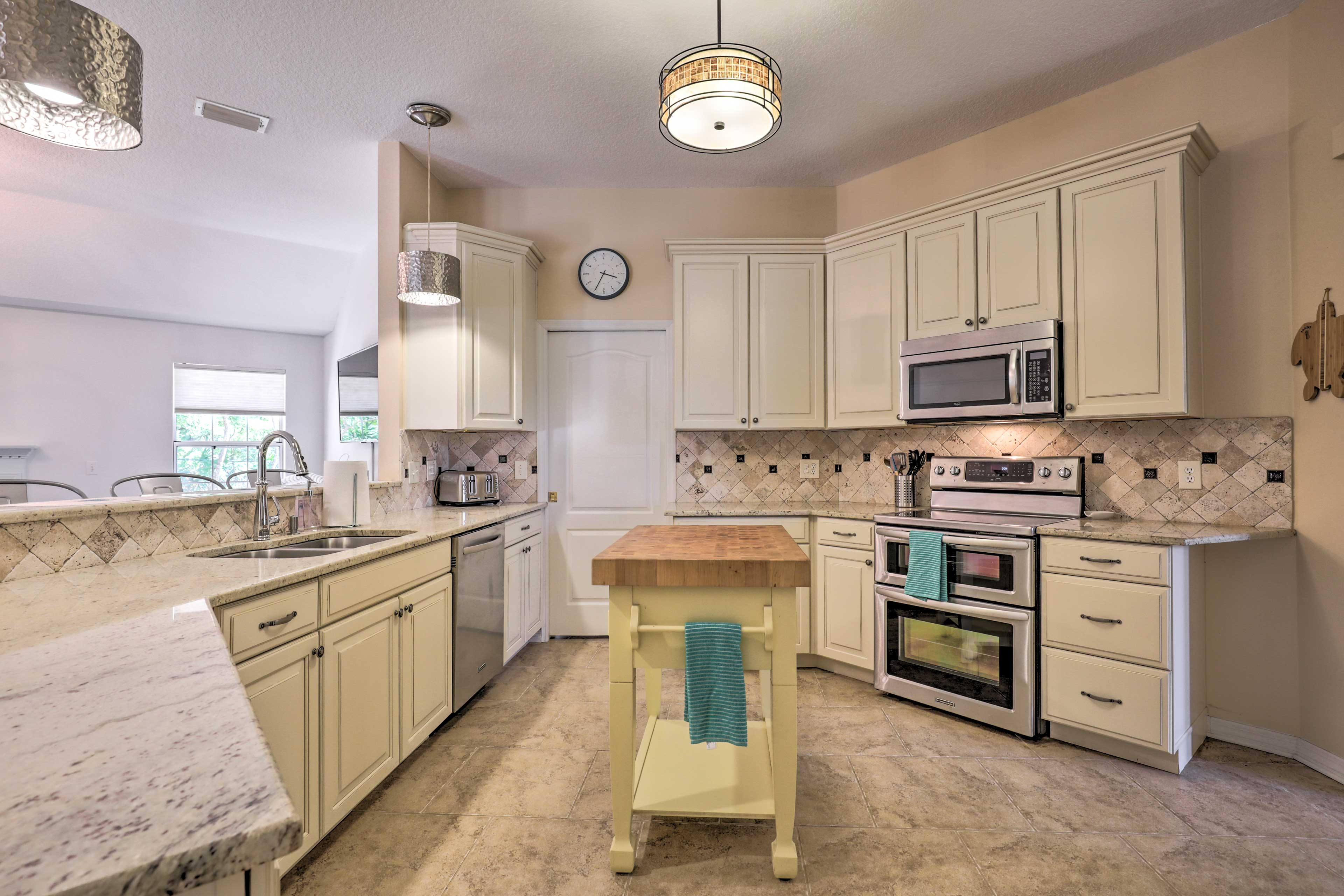 The fully equipped kitchen makes it easy to cook your favorite meals.