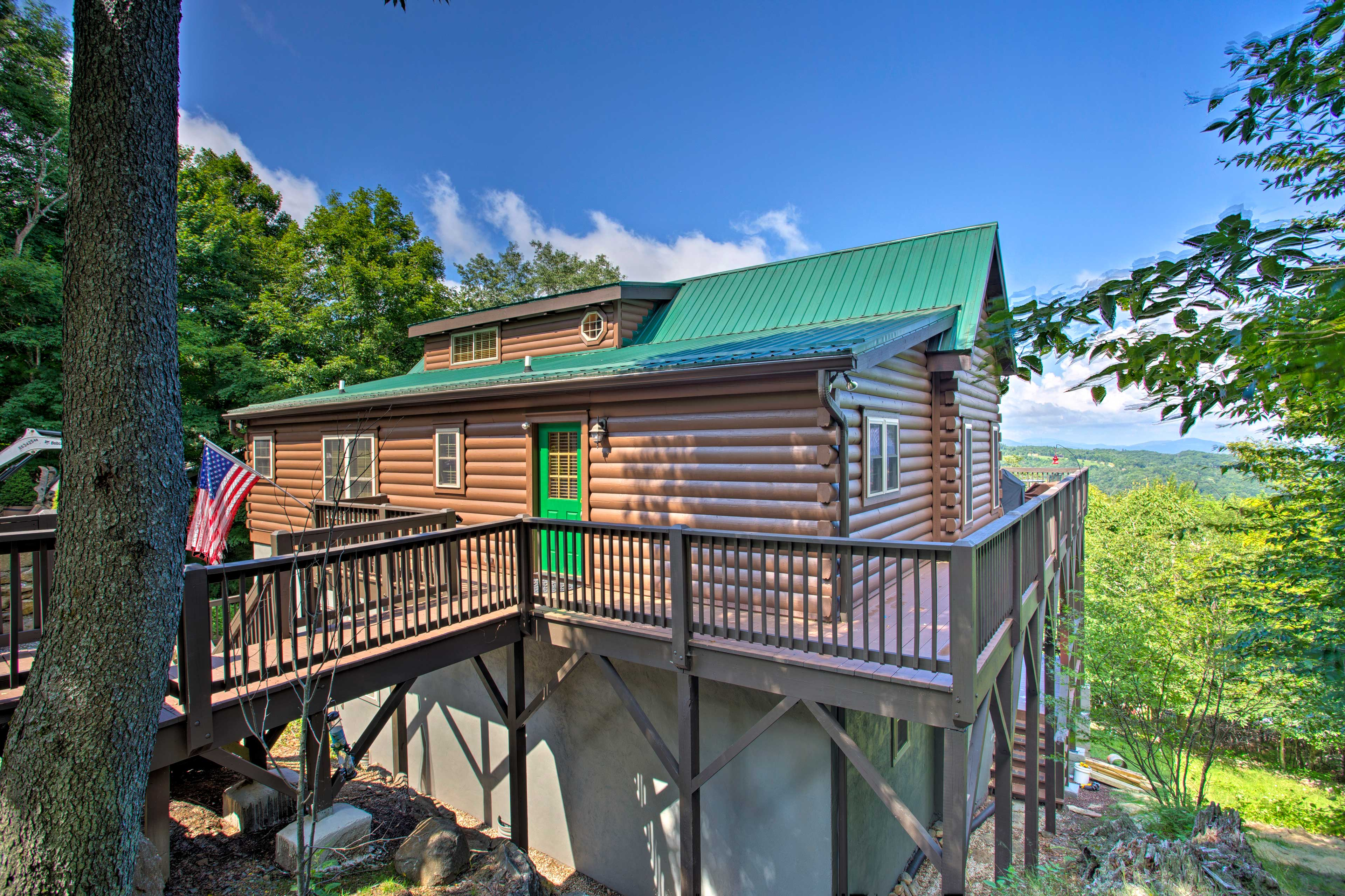 'House of Views' offers travelers the quintessential Beech Mountain getaway!