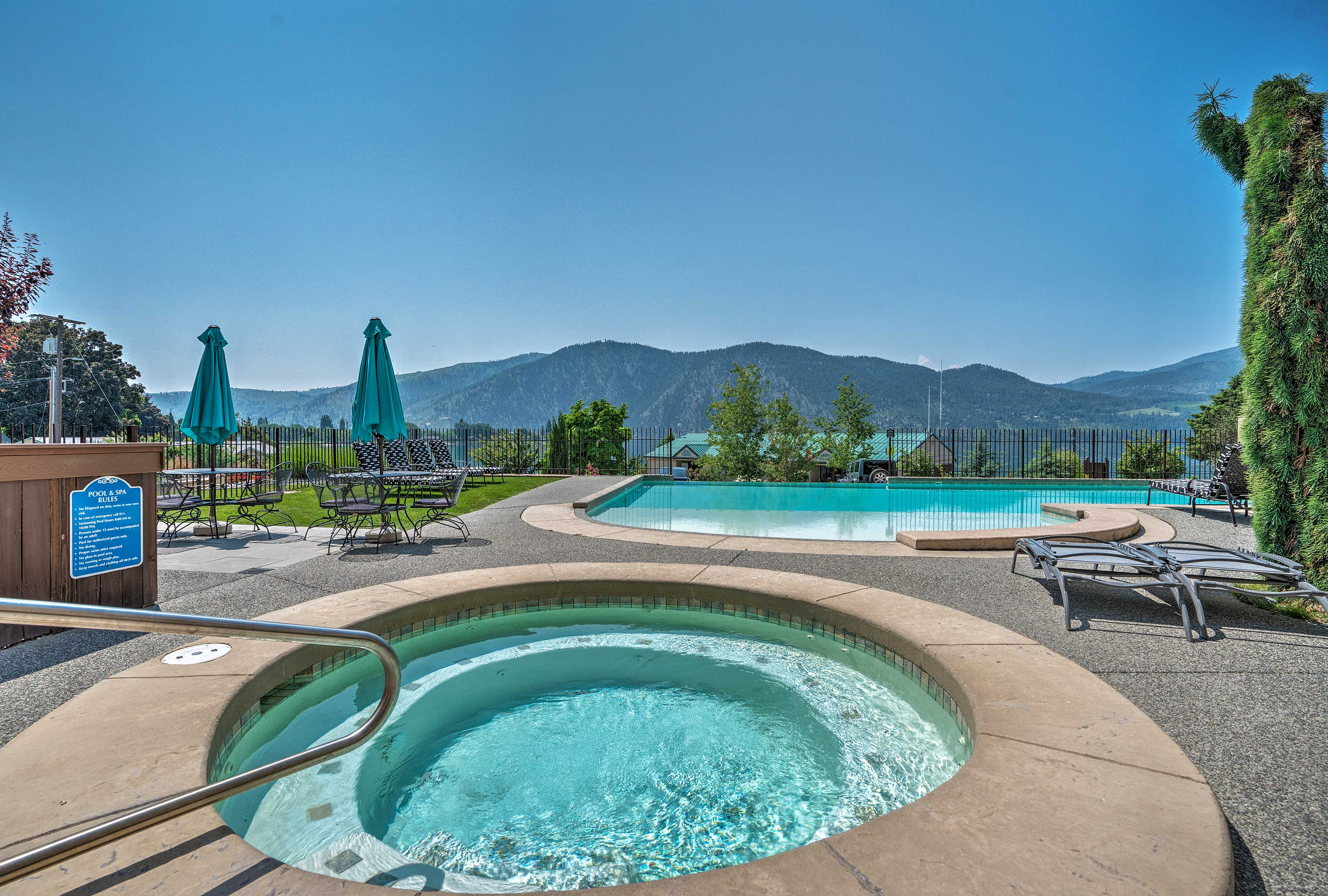 Book your next Pacific Northwest getaway to this resort vacation rental!