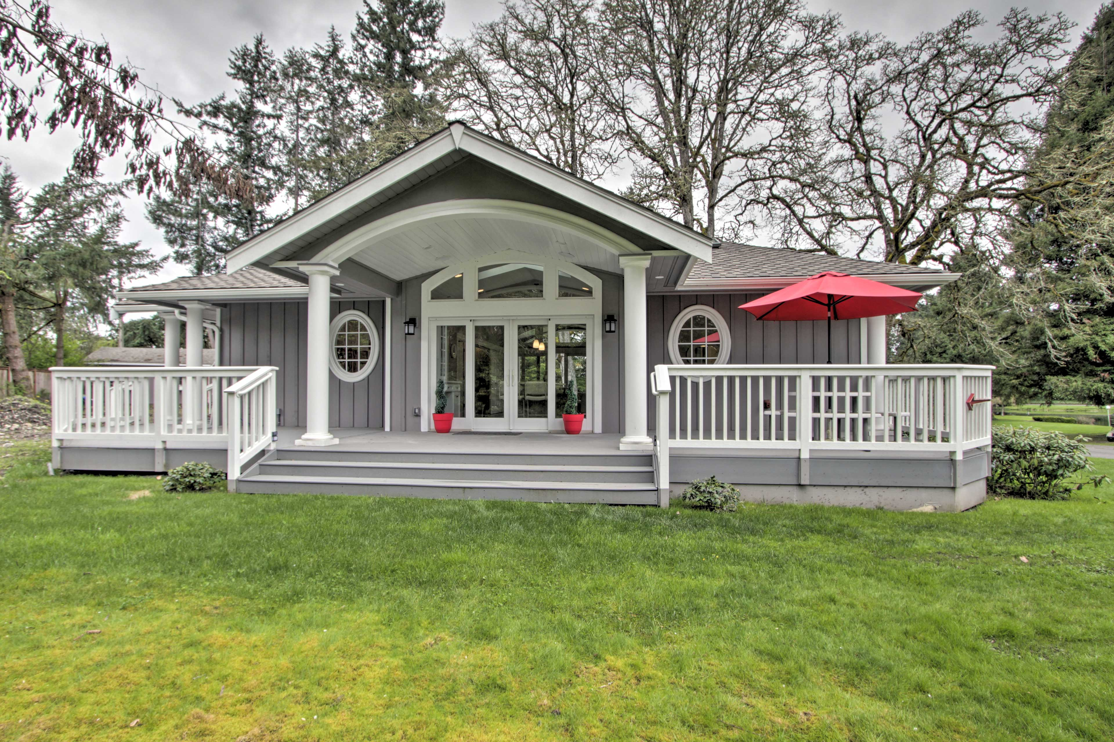 Book your Tacoma getaway to this gorgeous 2-bedroom, 2-bath vacation rental!