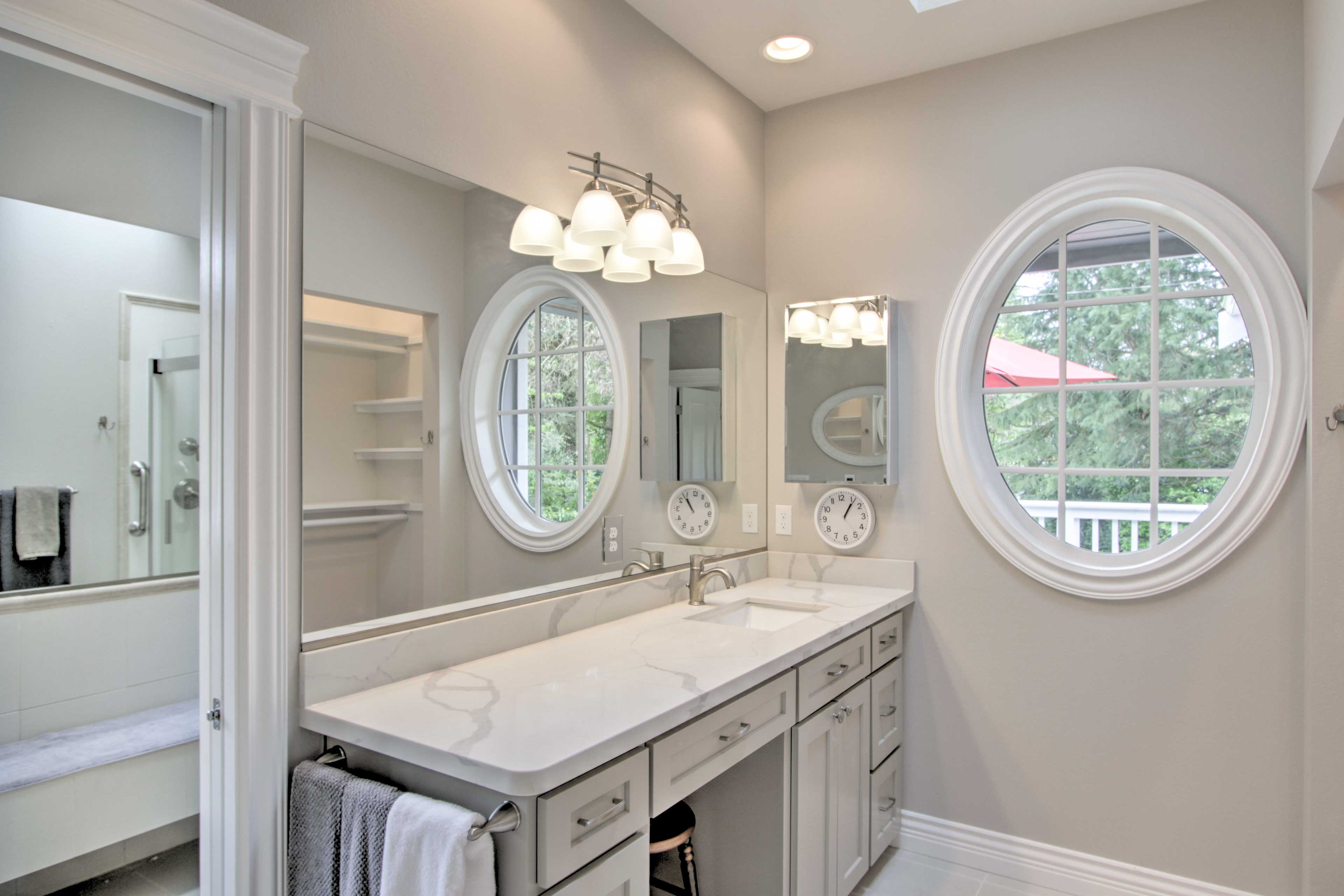 Rinse away the day in this tastefully furnished bathroom.