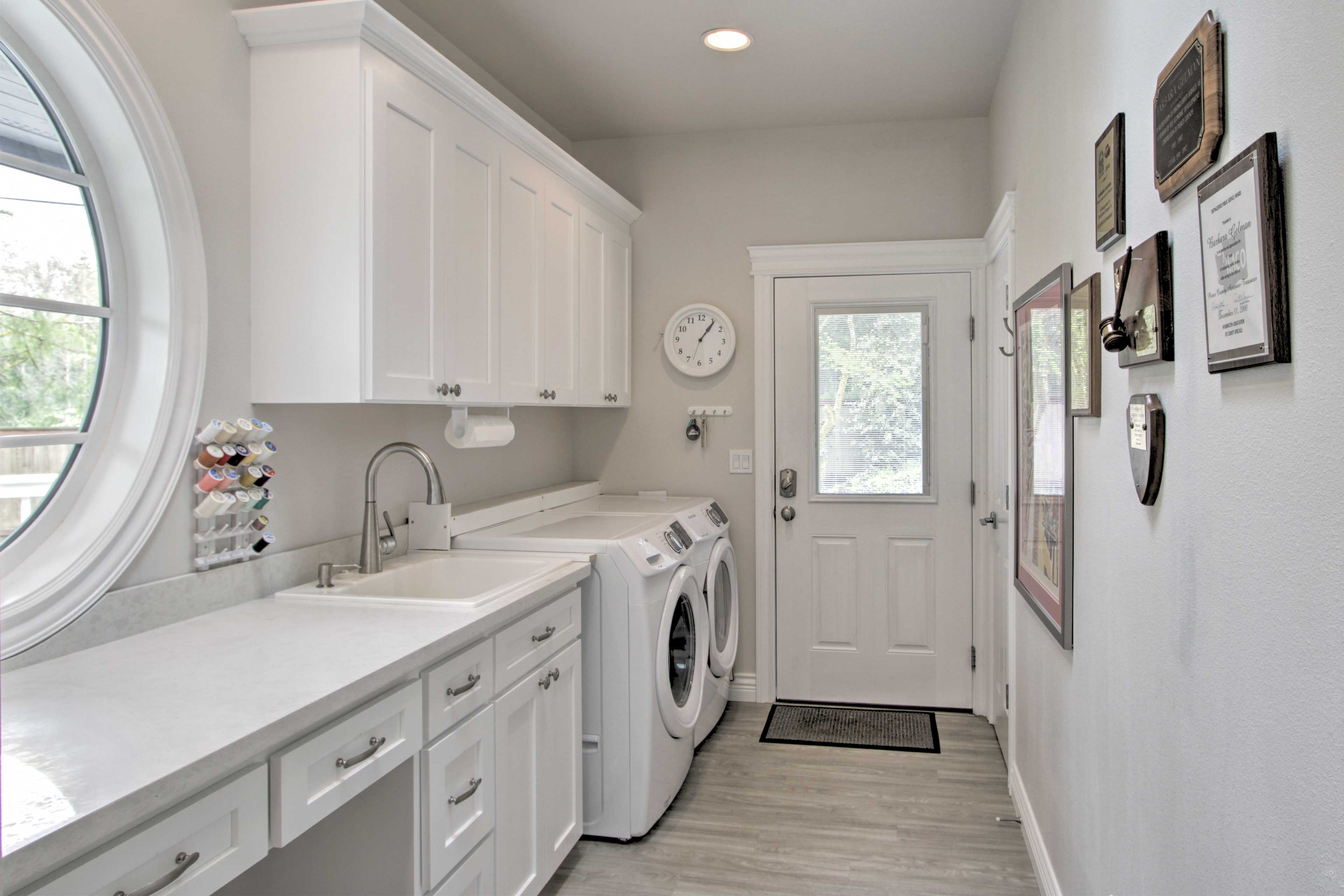 Rinse off your dirty duds with in-unit laundry machines!
