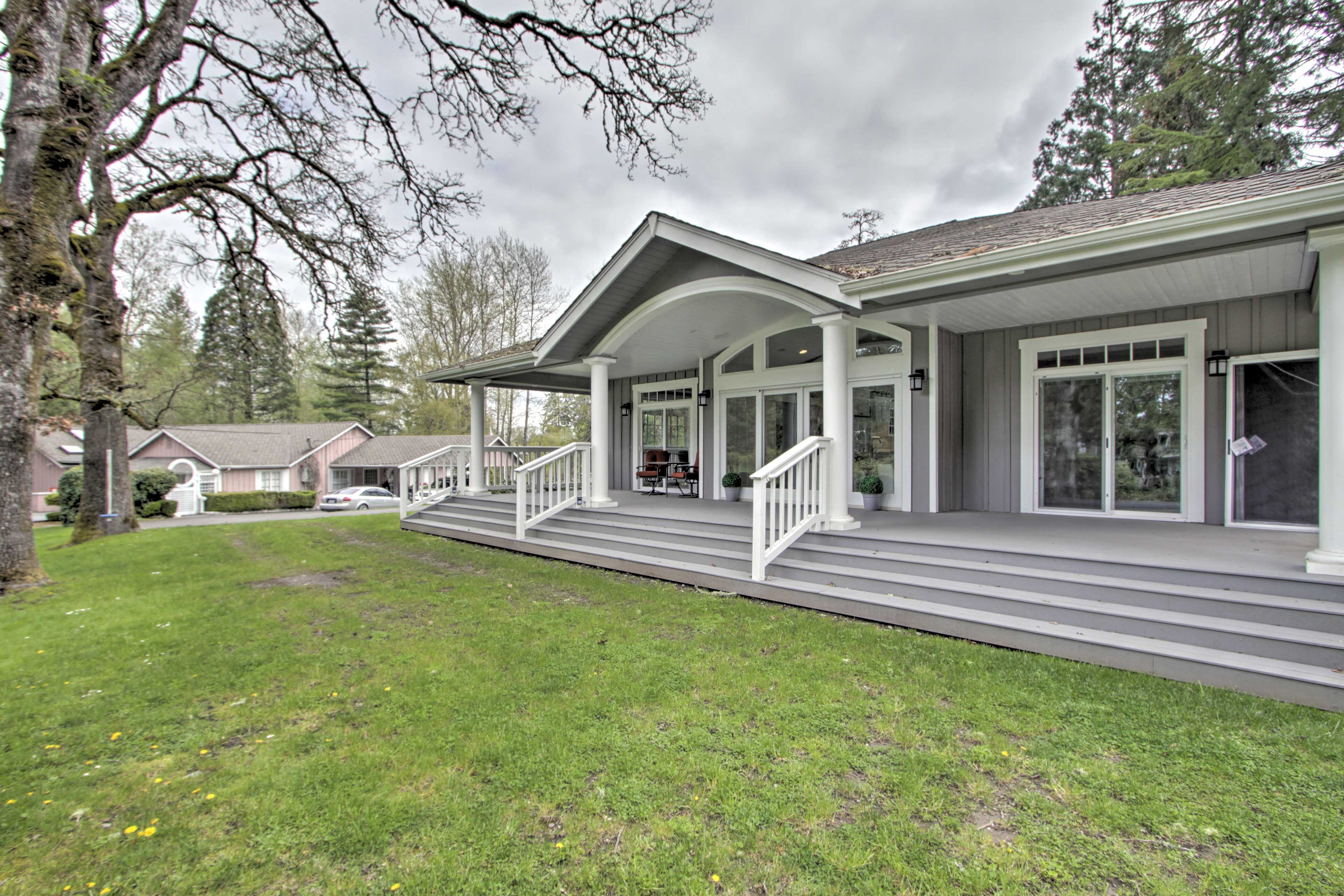 You'll never want to leave this quaint-yet-modern Tacoma cottage!