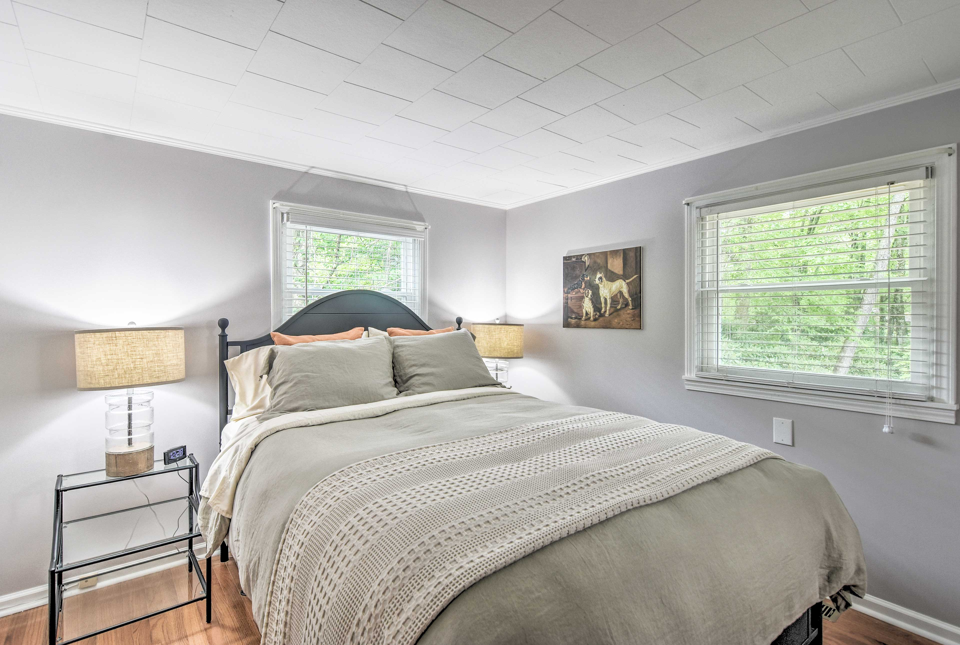 The master bedroom also houses a queen bed.
