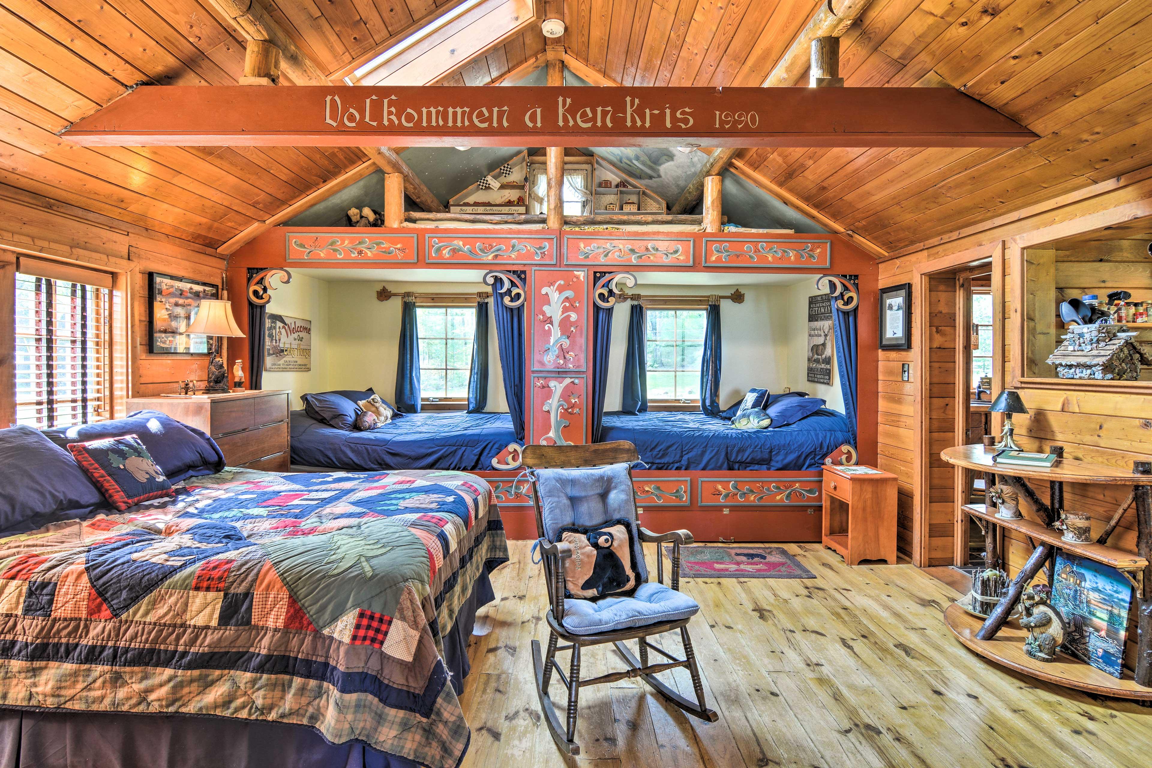 Studio   2 Queen Beds   Full Bed   1st Floor