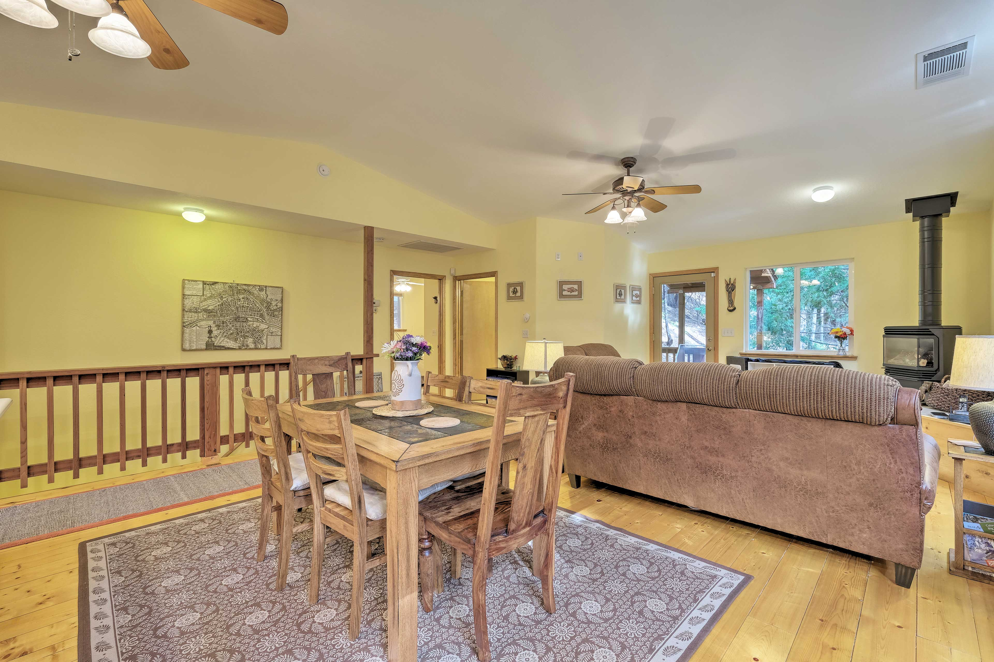 Enjoy a family meal at the 6-seat dining table.