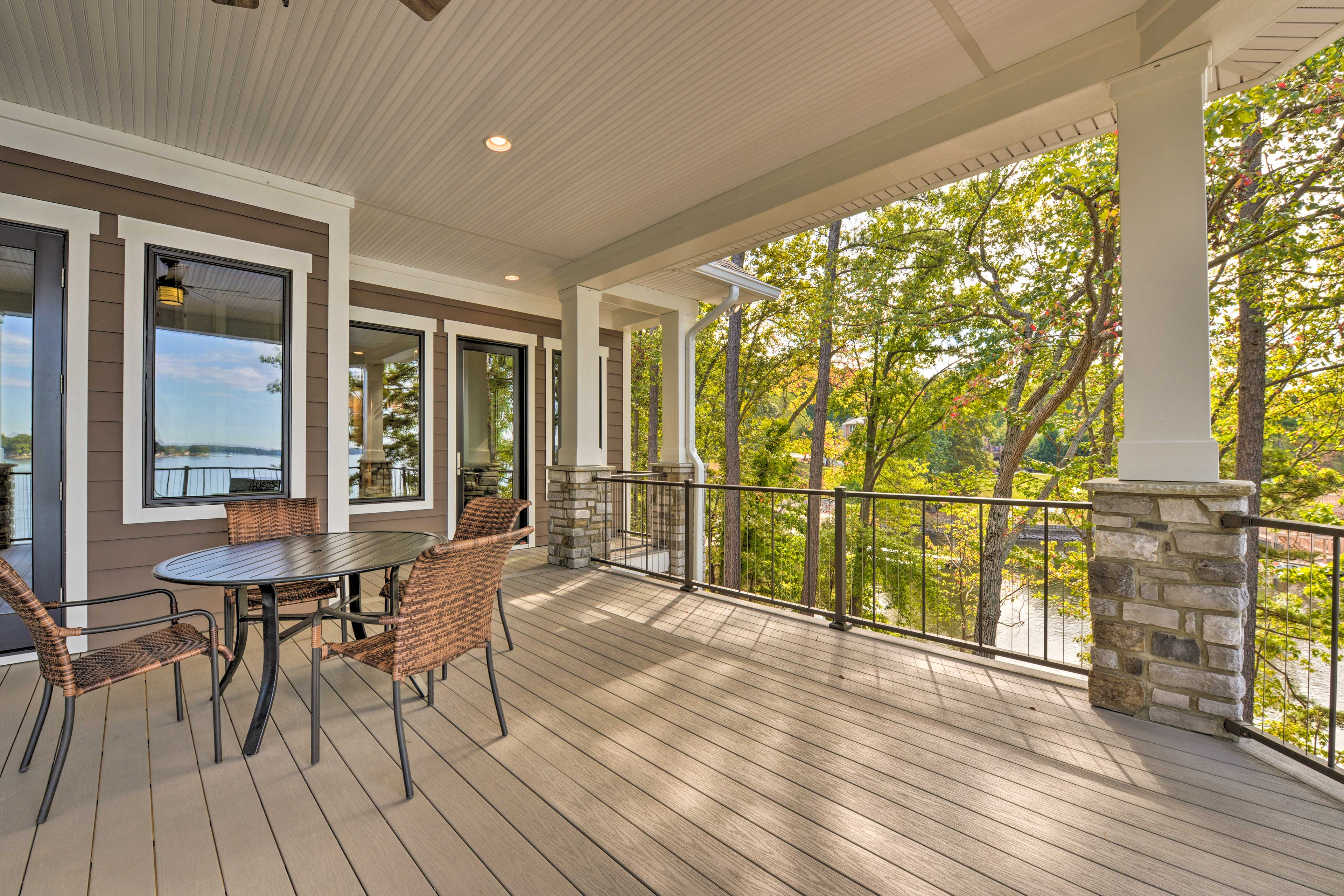 You'll love spending time on this lakefront deck, relaxing and eating!