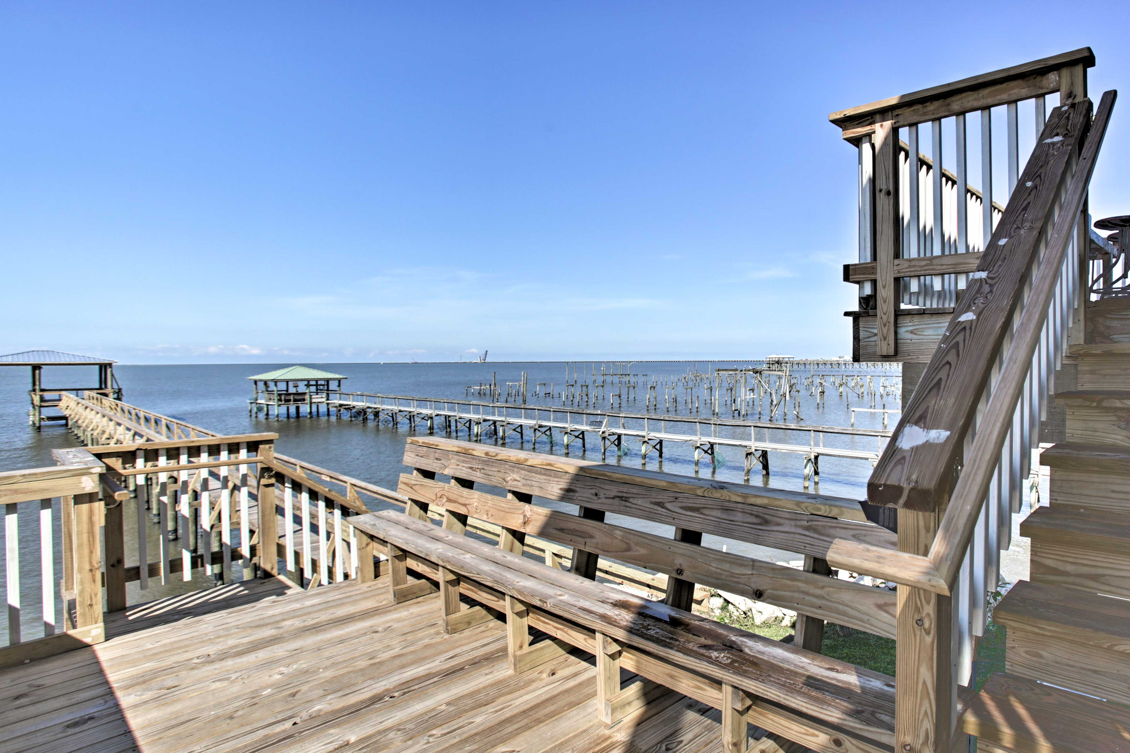 Stroll down the private walkway to the covered pavilion on Lake Ponchartrain.