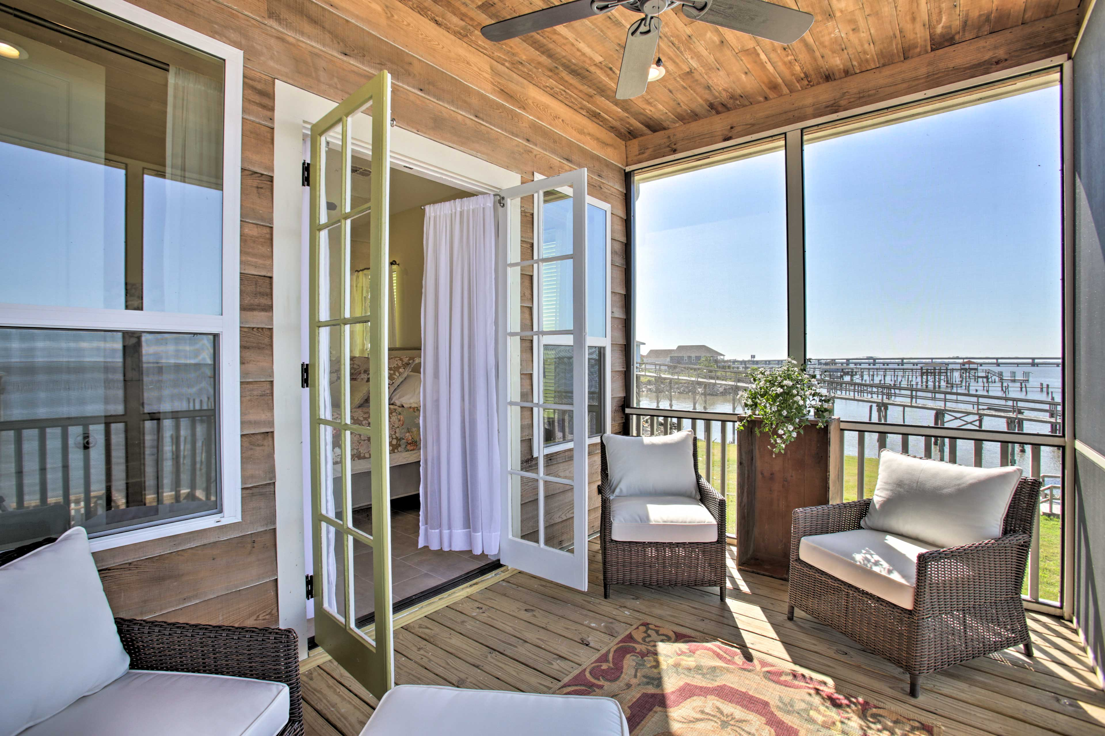 Stay right on Lake Ponchartrain at this brand new Slidell vacation rental!