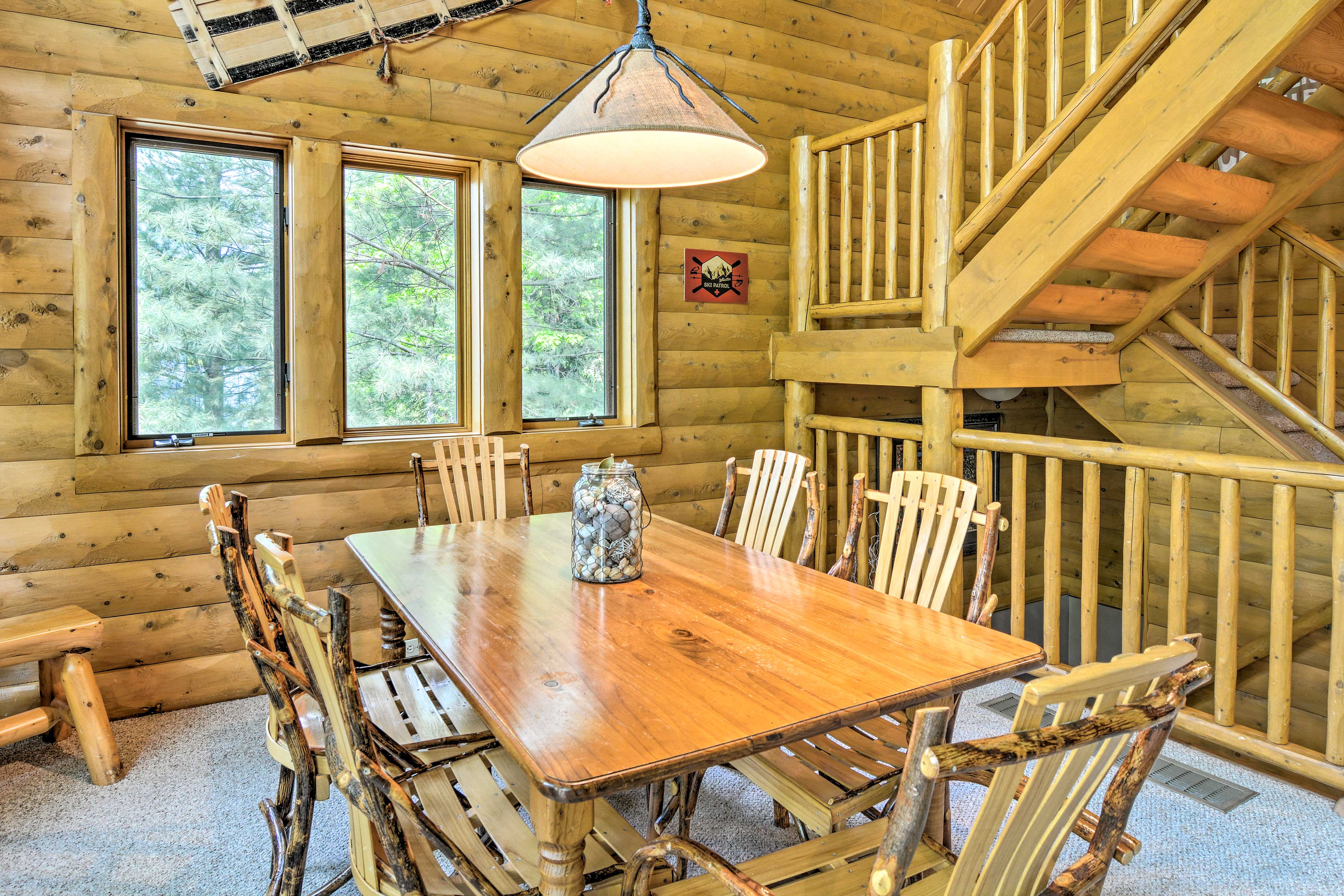 This 3-story cabin has plenty of room for your whole crew.
