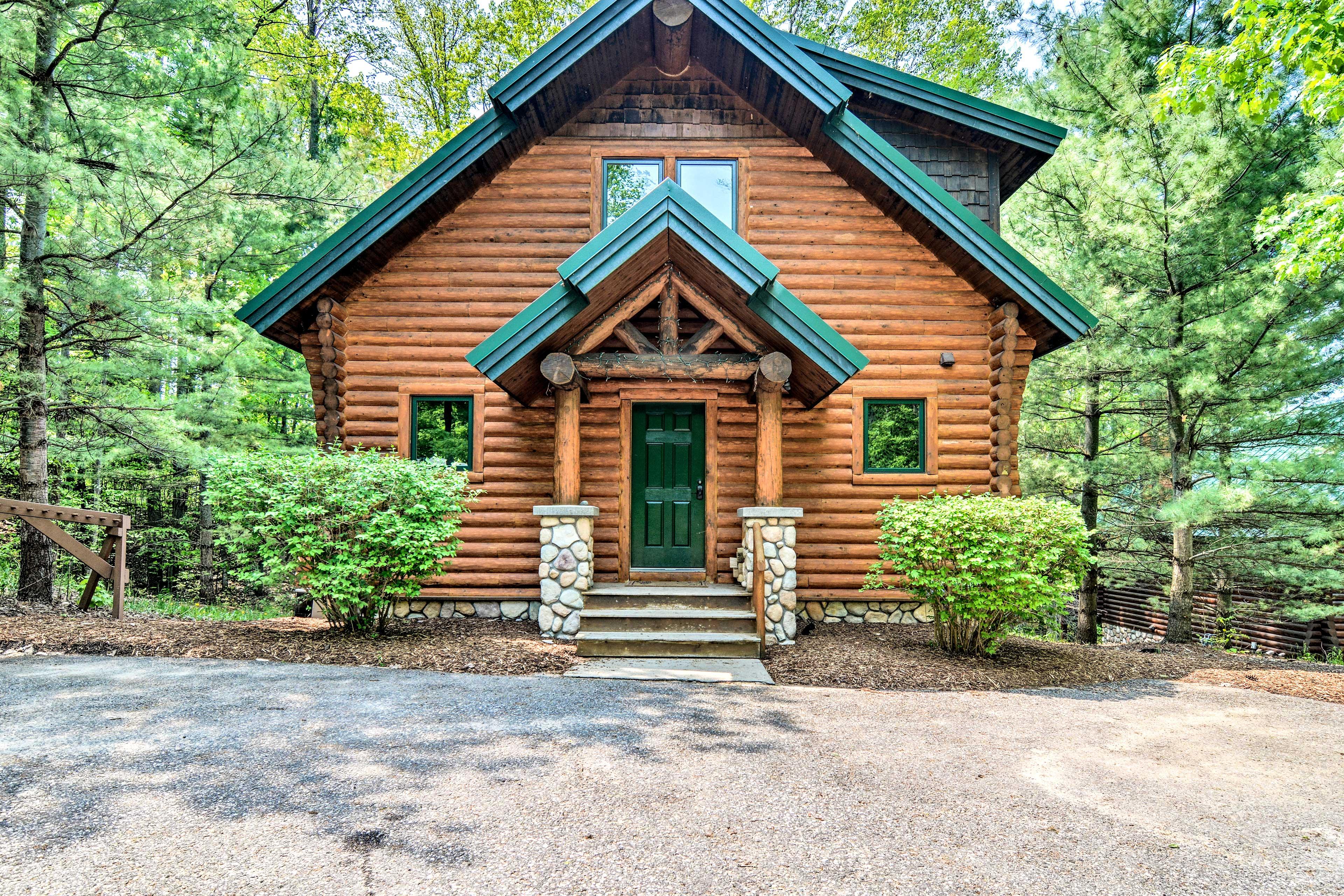 This 3-bedroom, 3.5-bath cabin is the perfect Boyne Mountain Resort getaway!