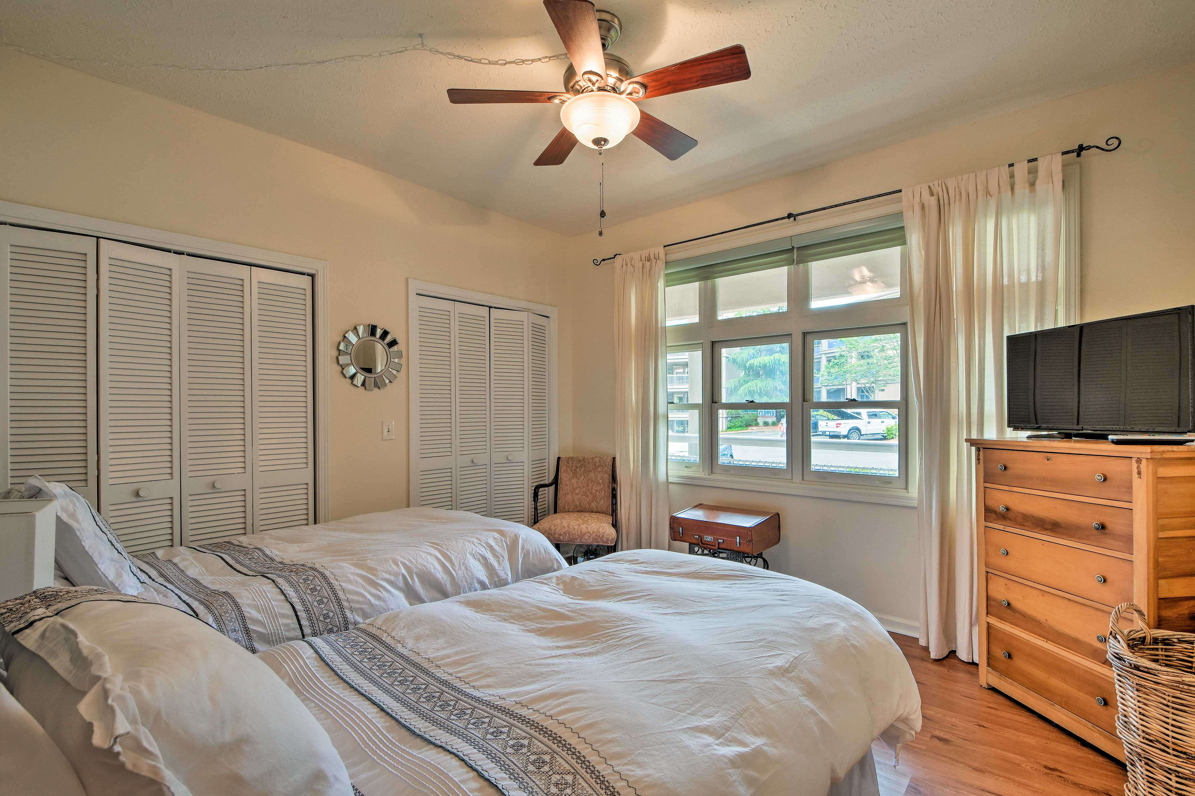 Step into bedroom 2 and find cozy twin beds waiting!