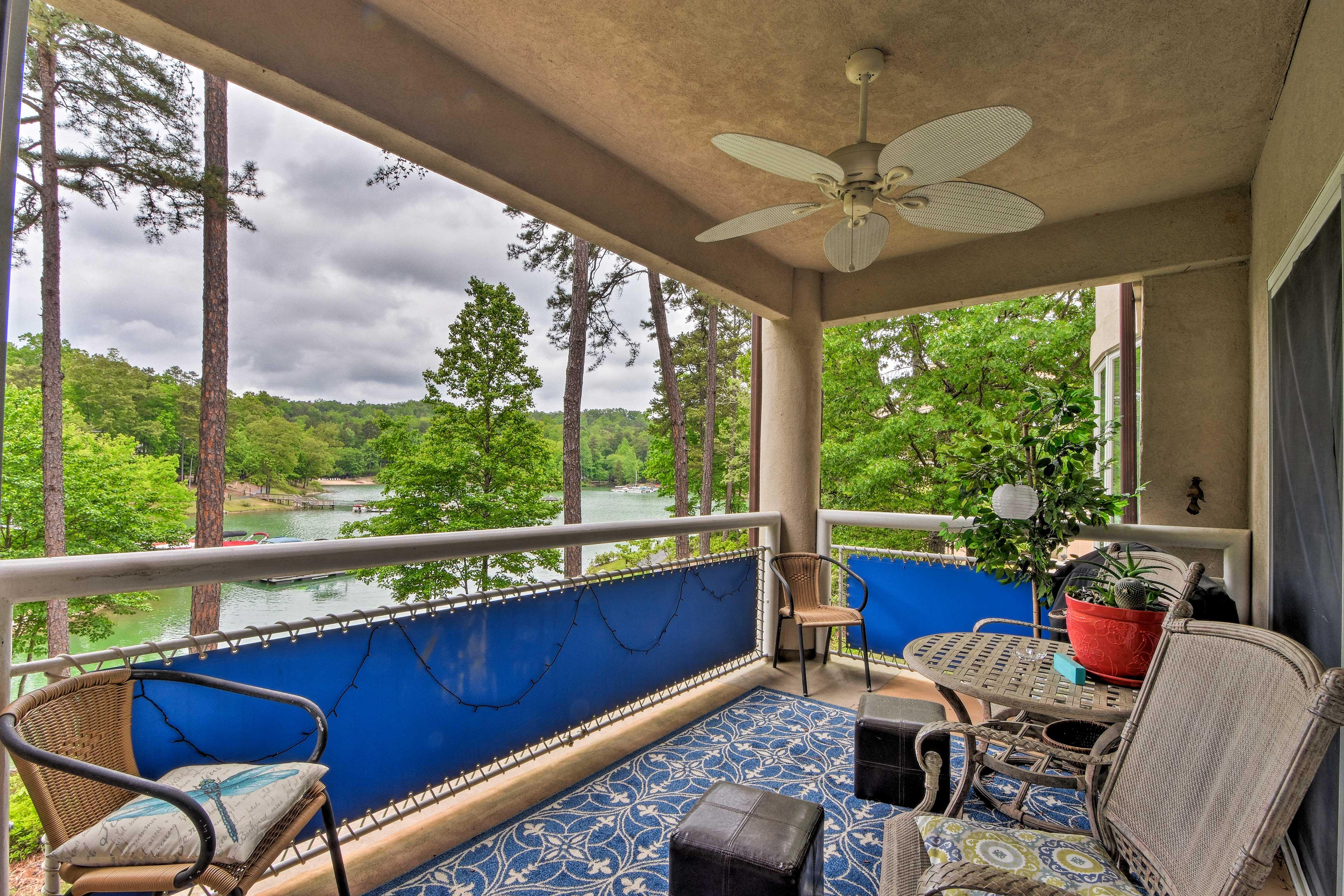 Soak in views of the water at this 2-bedroom, 2-bath Salem vacation rental.