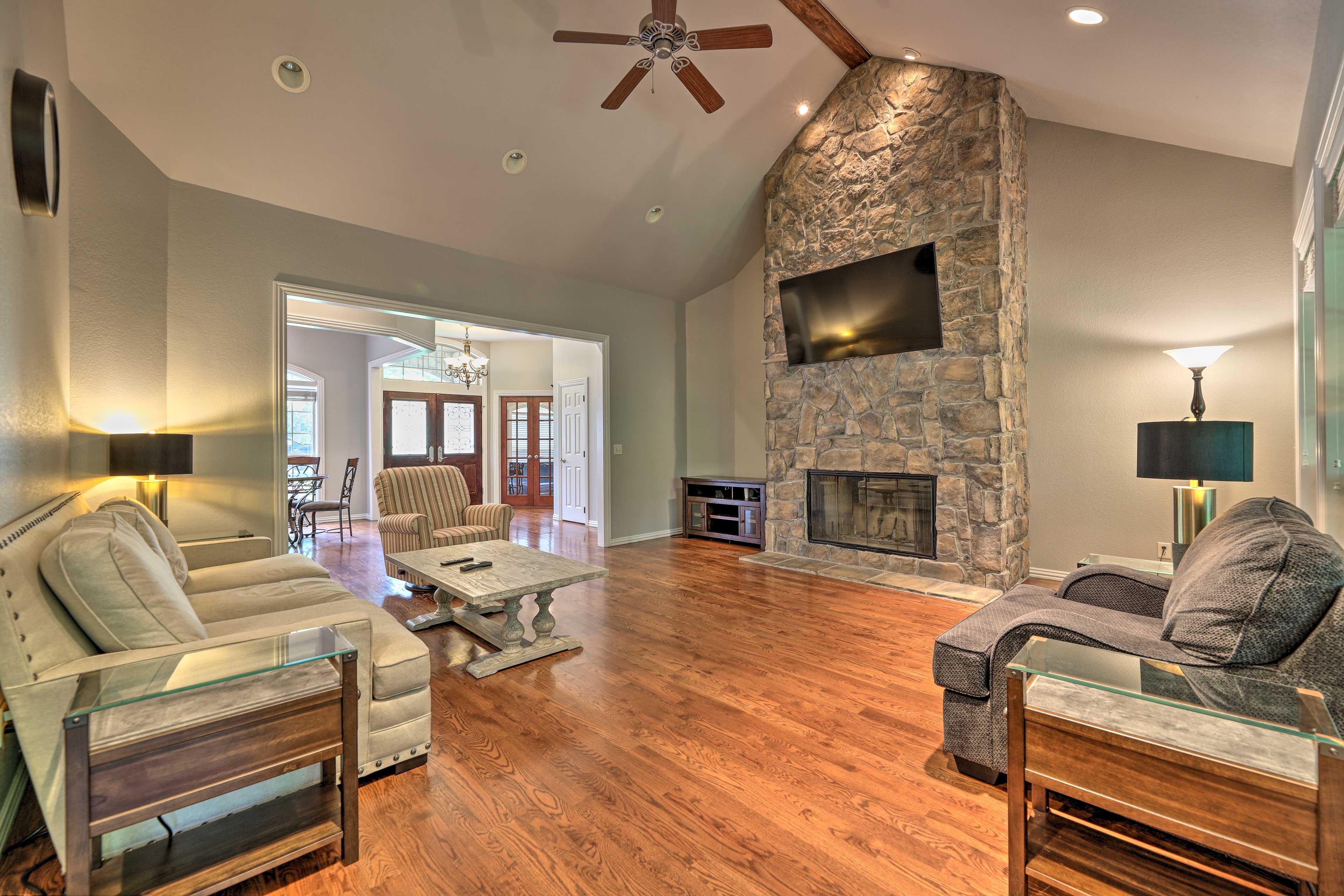 Home Interior   Wood-burning Fireplace