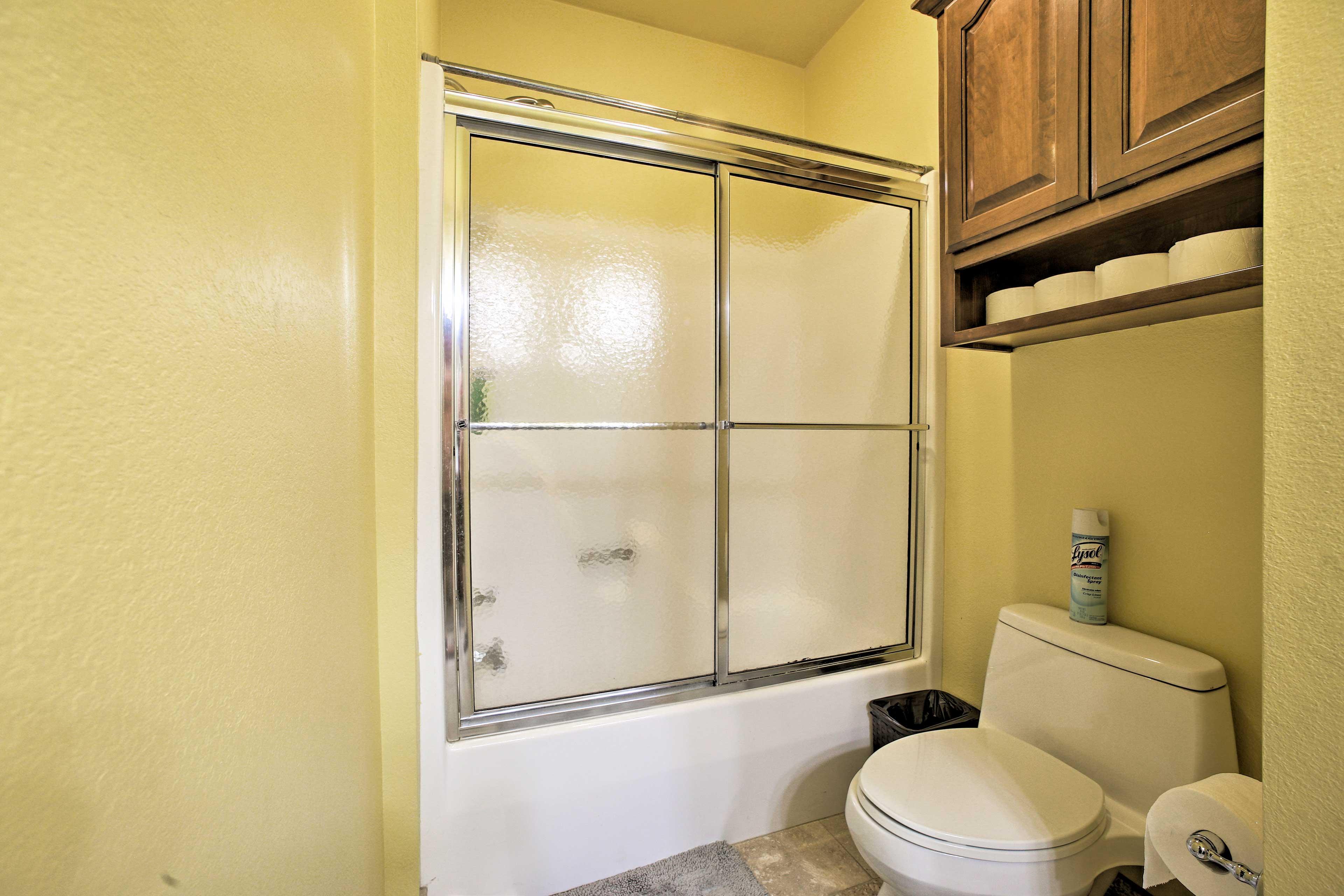 Bathroom   Shower/Tub Combo