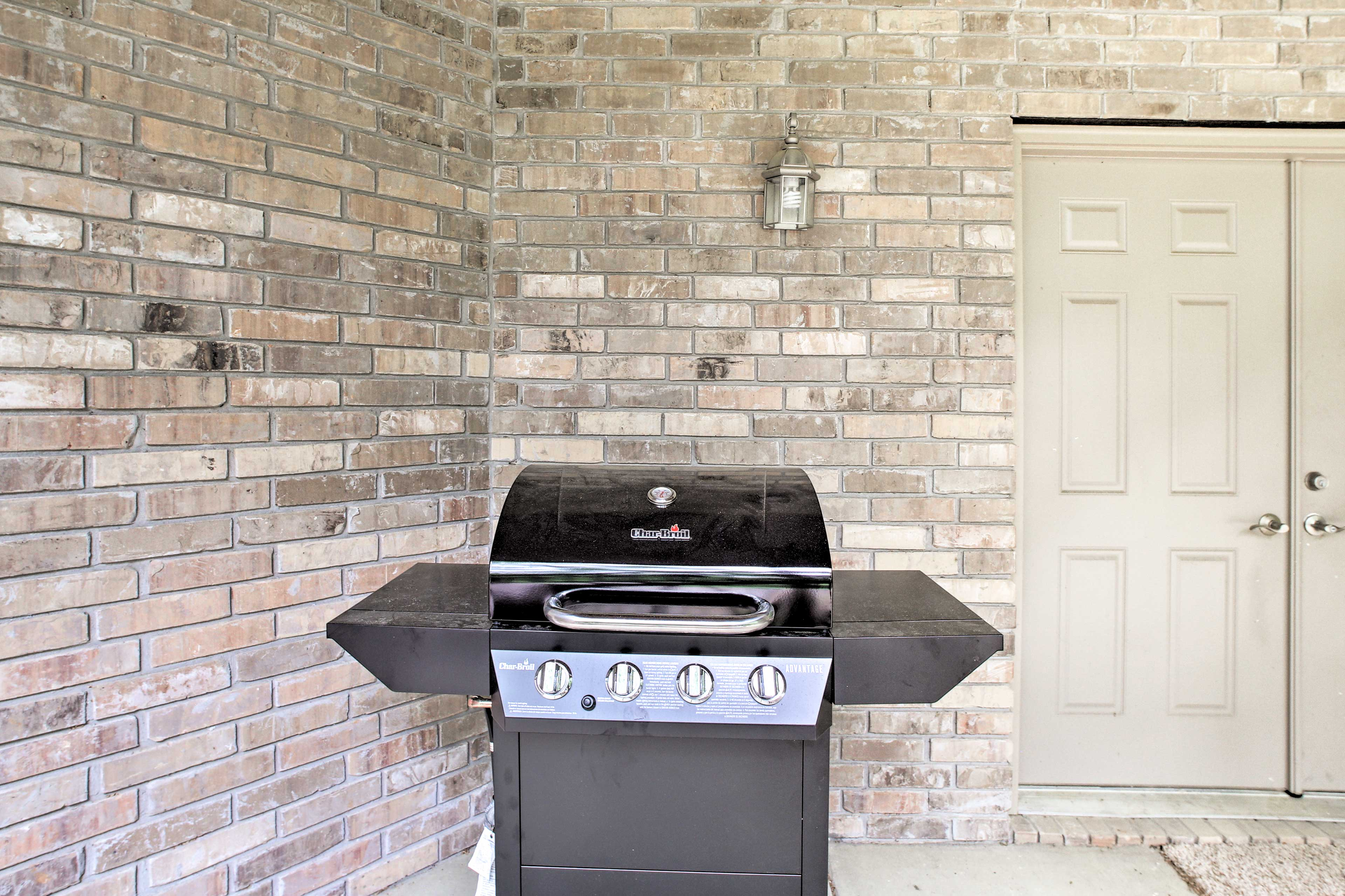 Property Exterior   Gas Grill