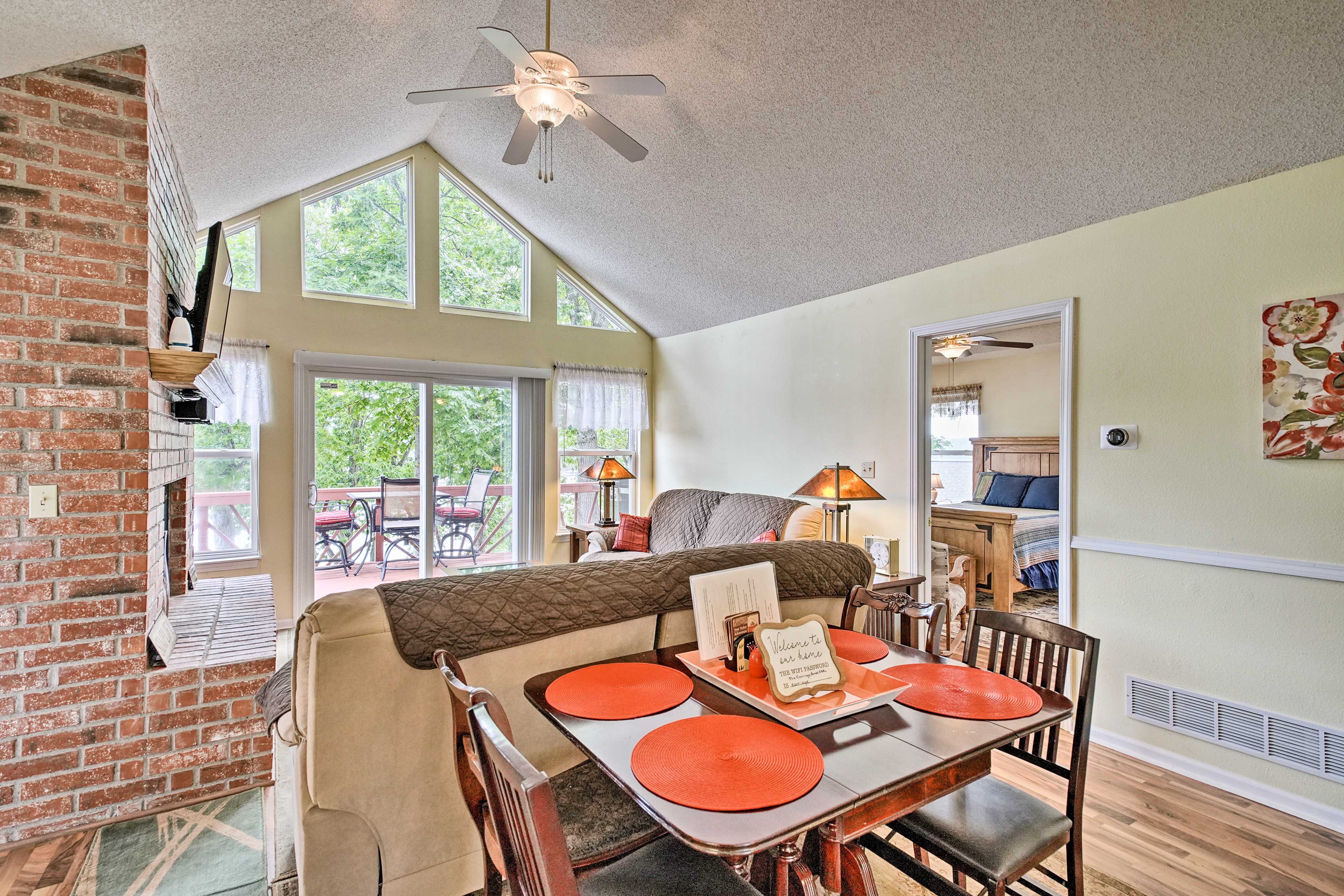 Find all of the info you need about the home and area on the dining table!