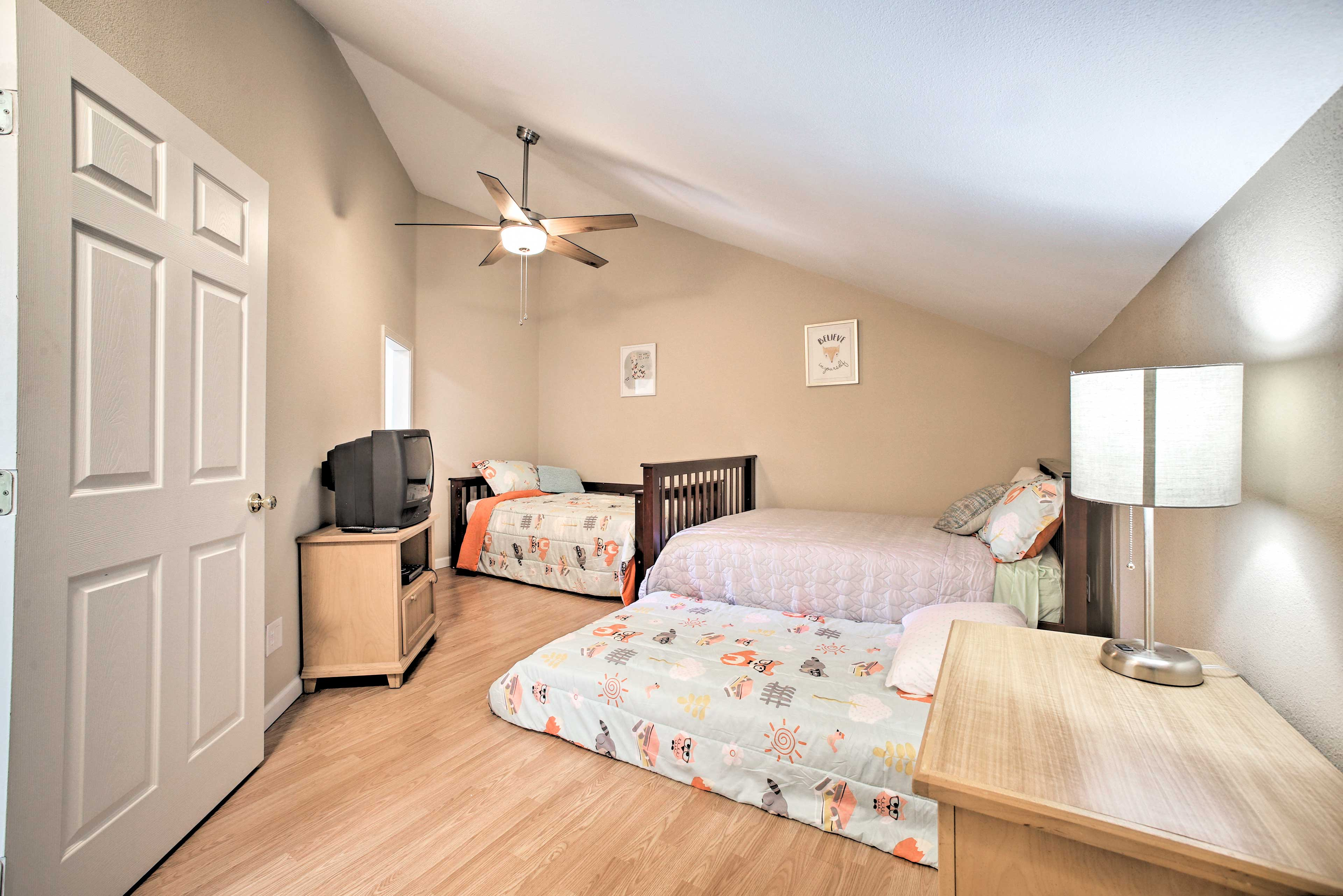 Bedroom 3 has a full, twin and twin trundle bed!