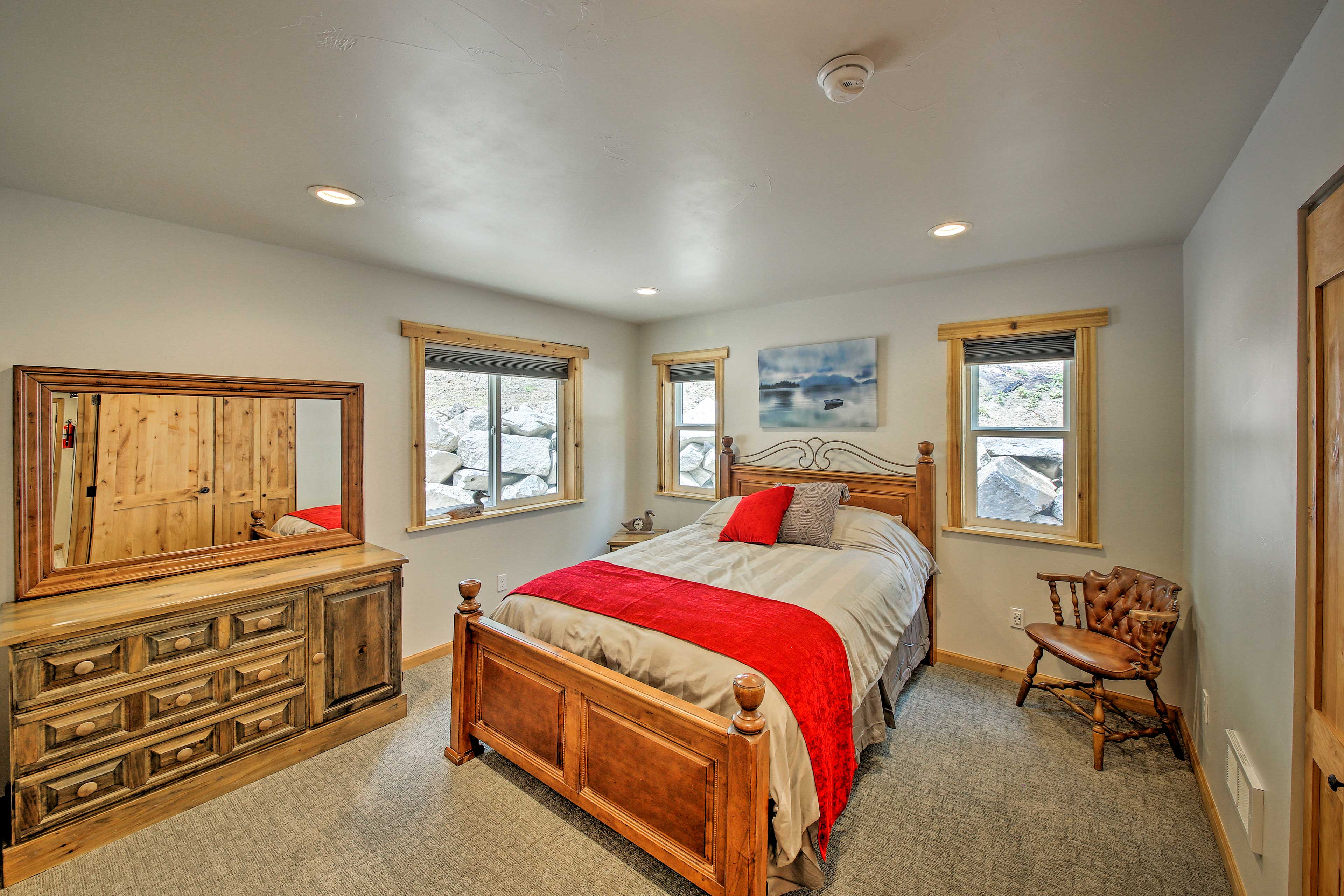 Two can treat themselves to a stay in the master suite.