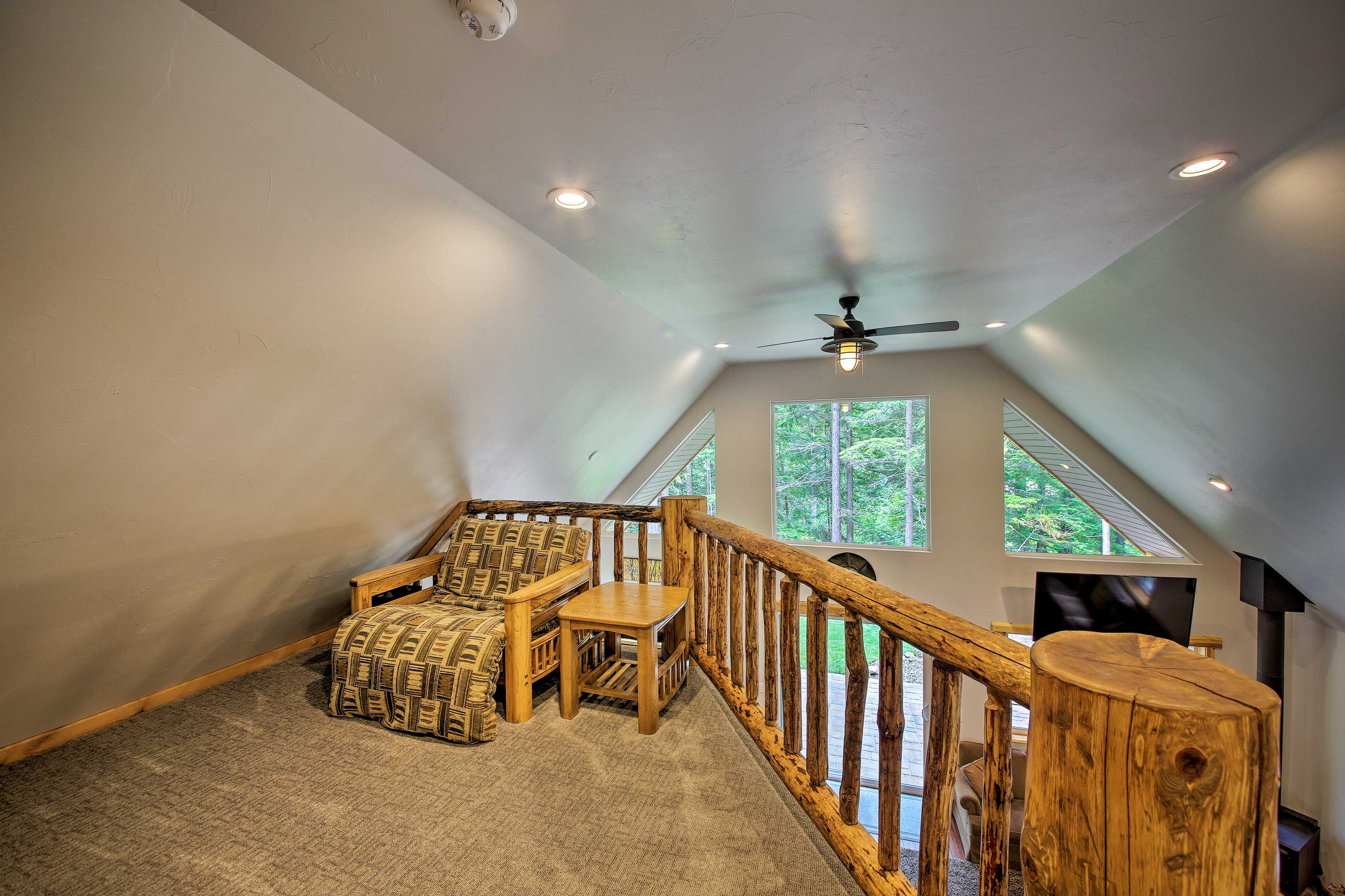 Upon request, the cabin has an air mattress for additional sleeping in the loft.