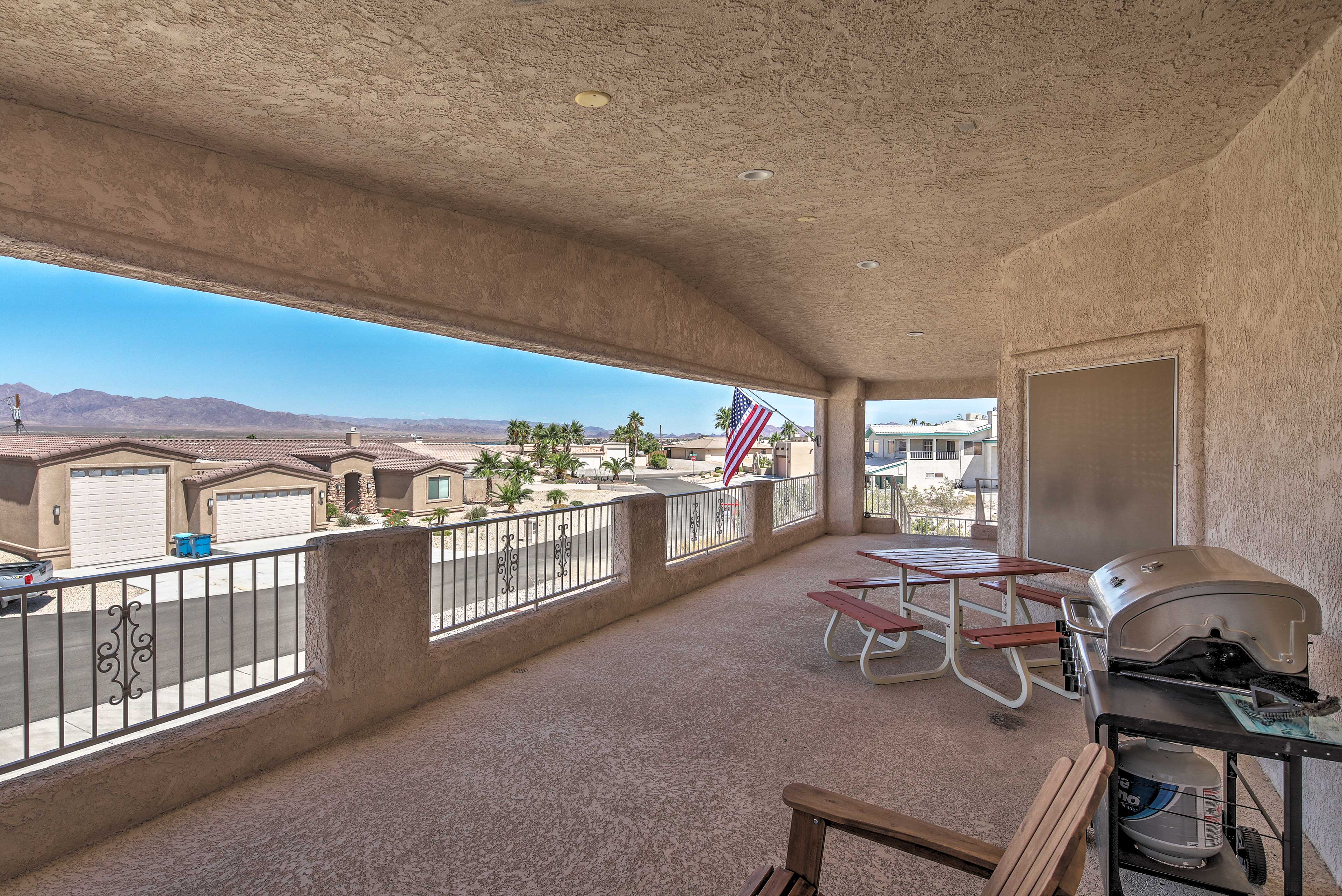 Revel in the balmy desert breeze at this Lake Havasu City vacation rental house.