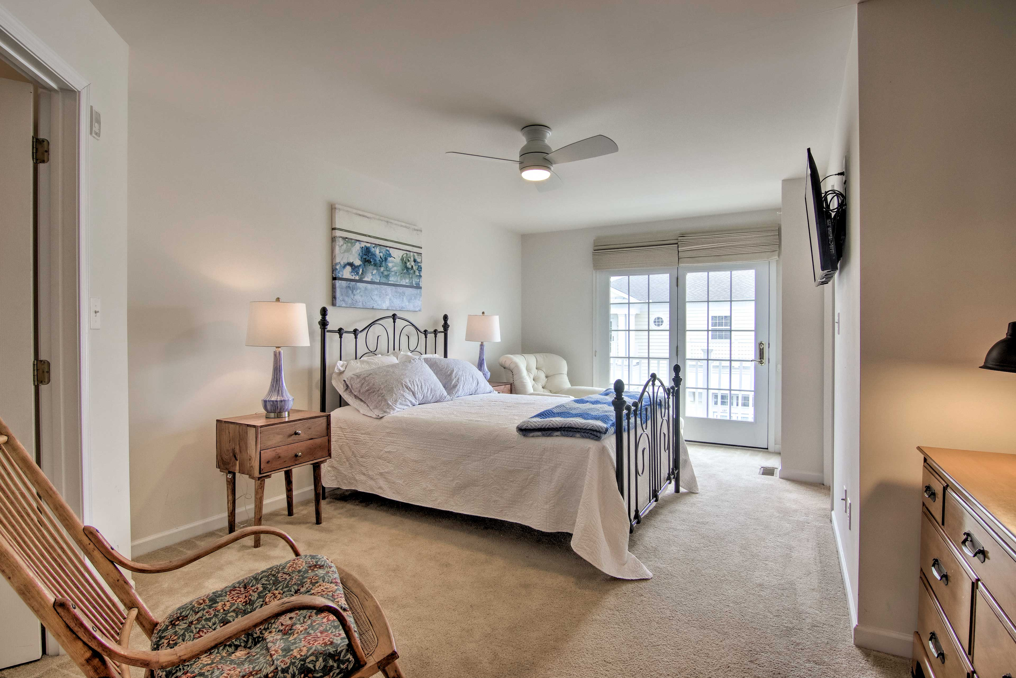 Claim this spacious master bedroom as your own!