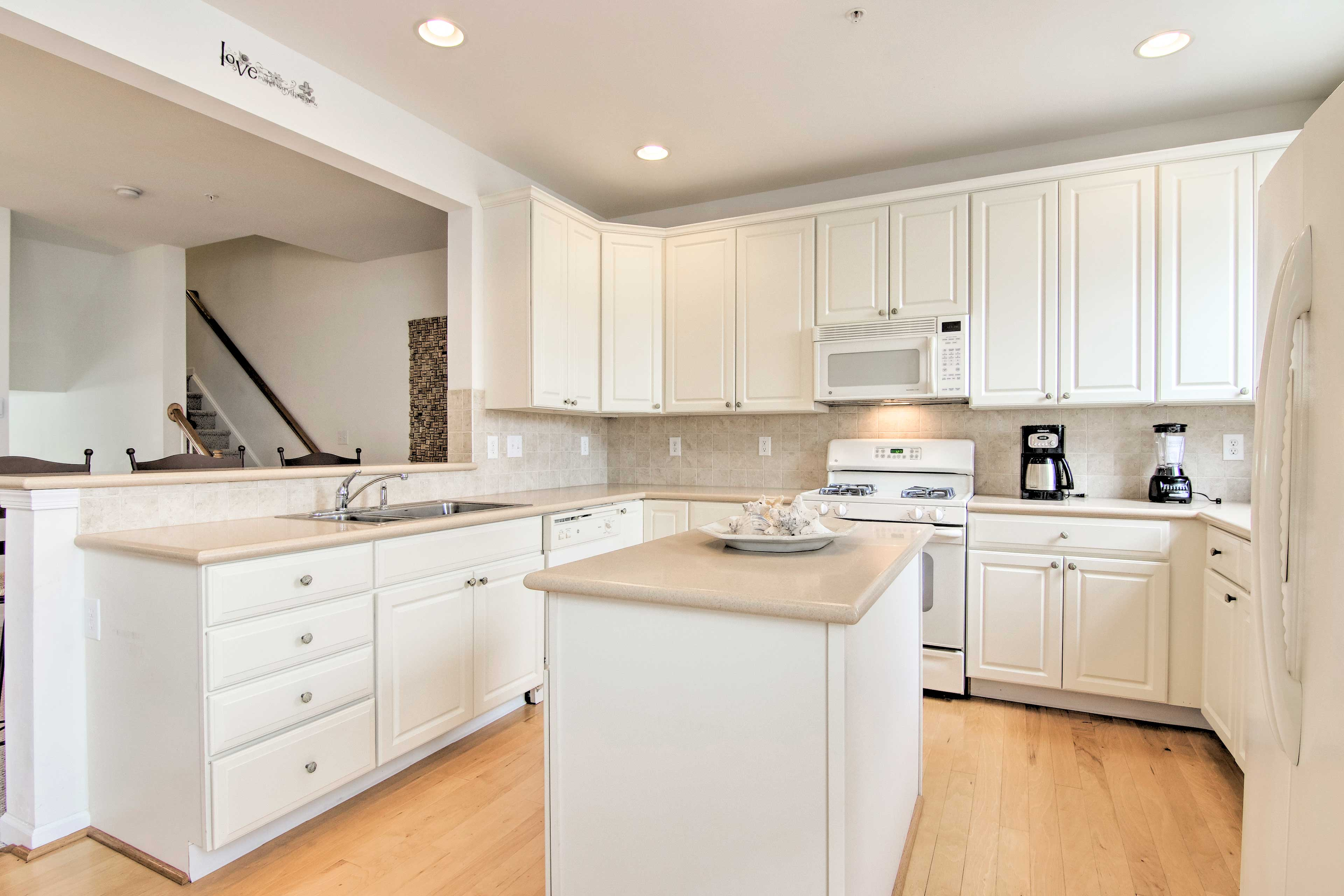 Easily prepare homemade meals with the ample counter space & modern appliances.