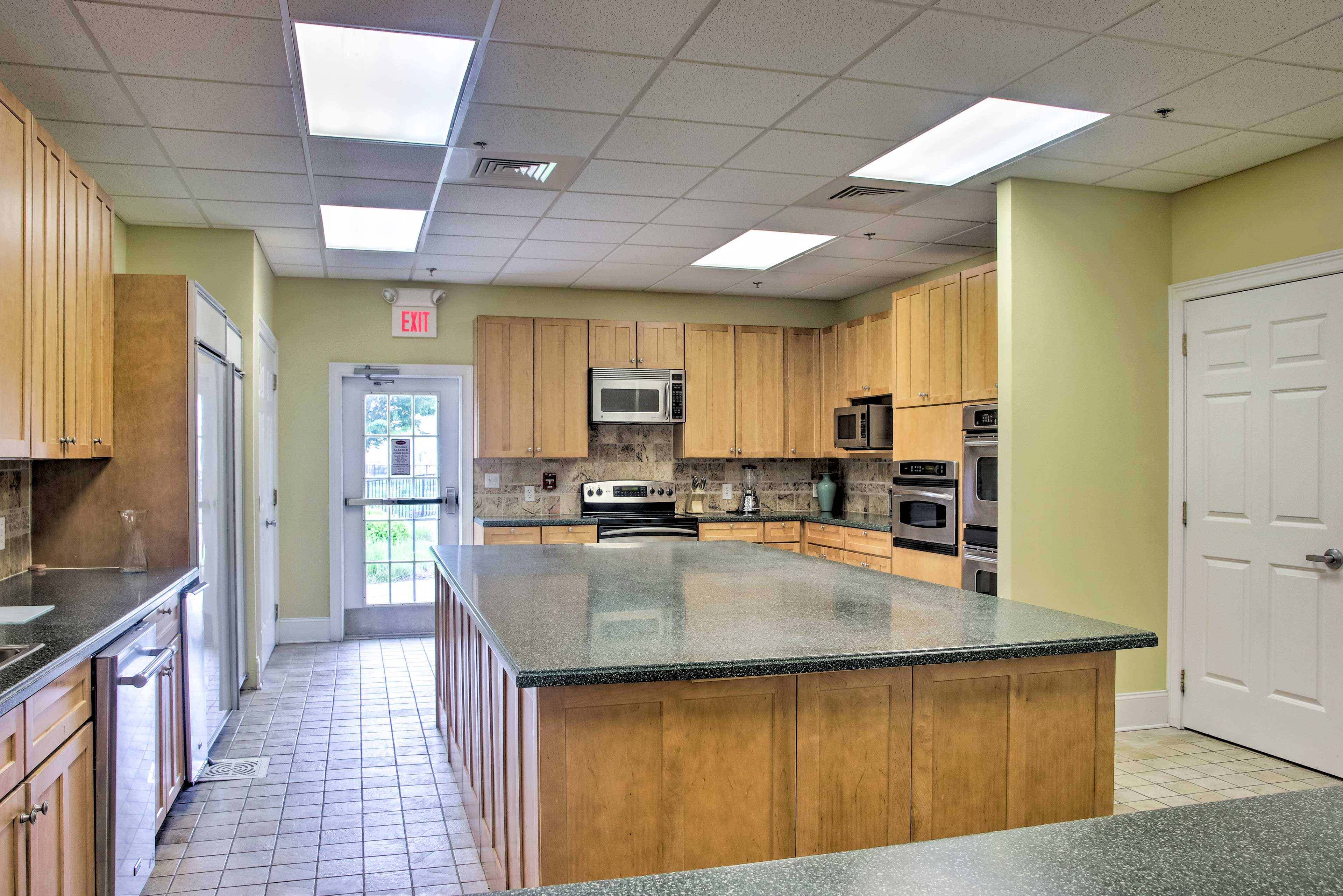 There's even a fully equipped community kitchen available for guest use.