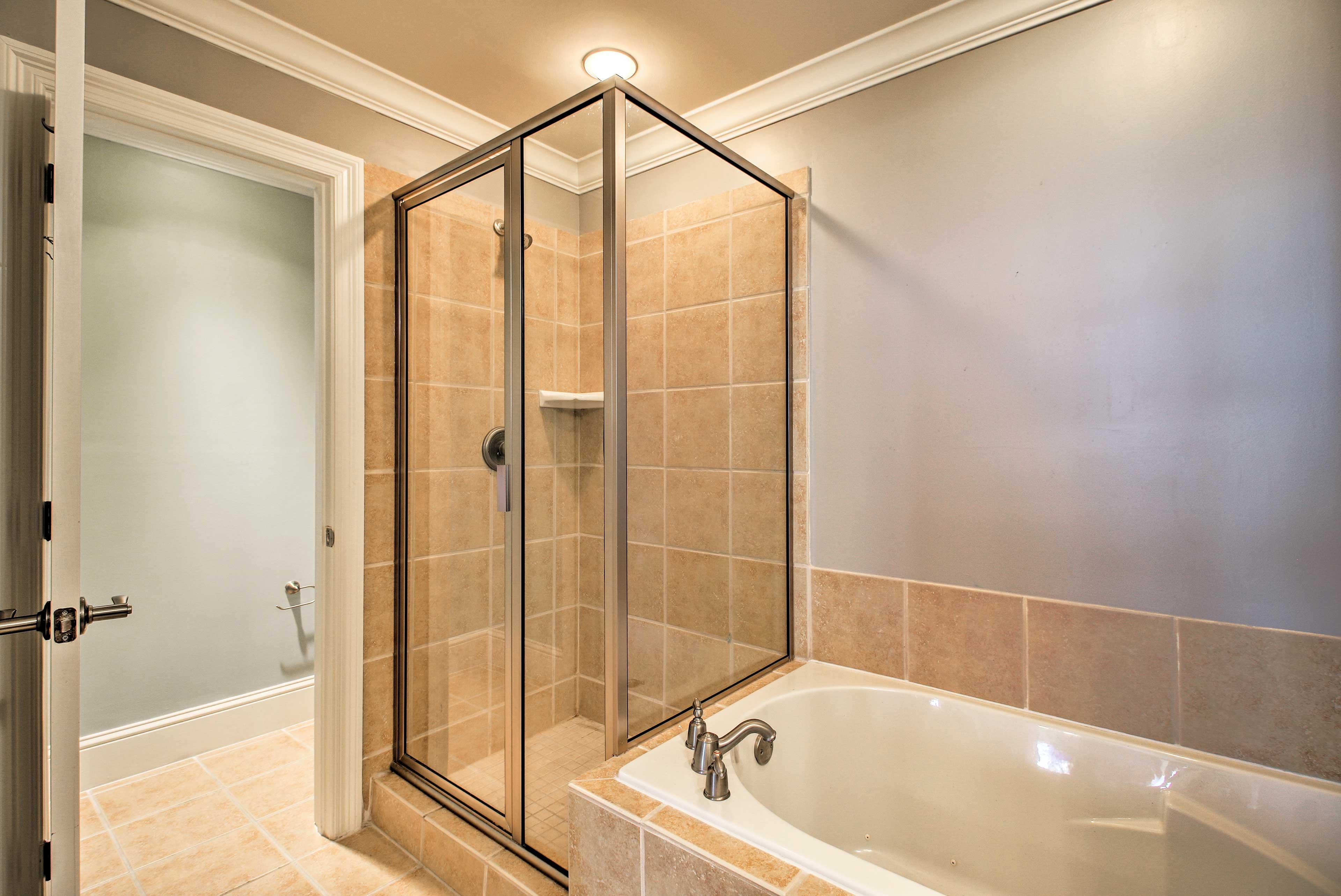 Choose between the walk-in shower or bathtub.
