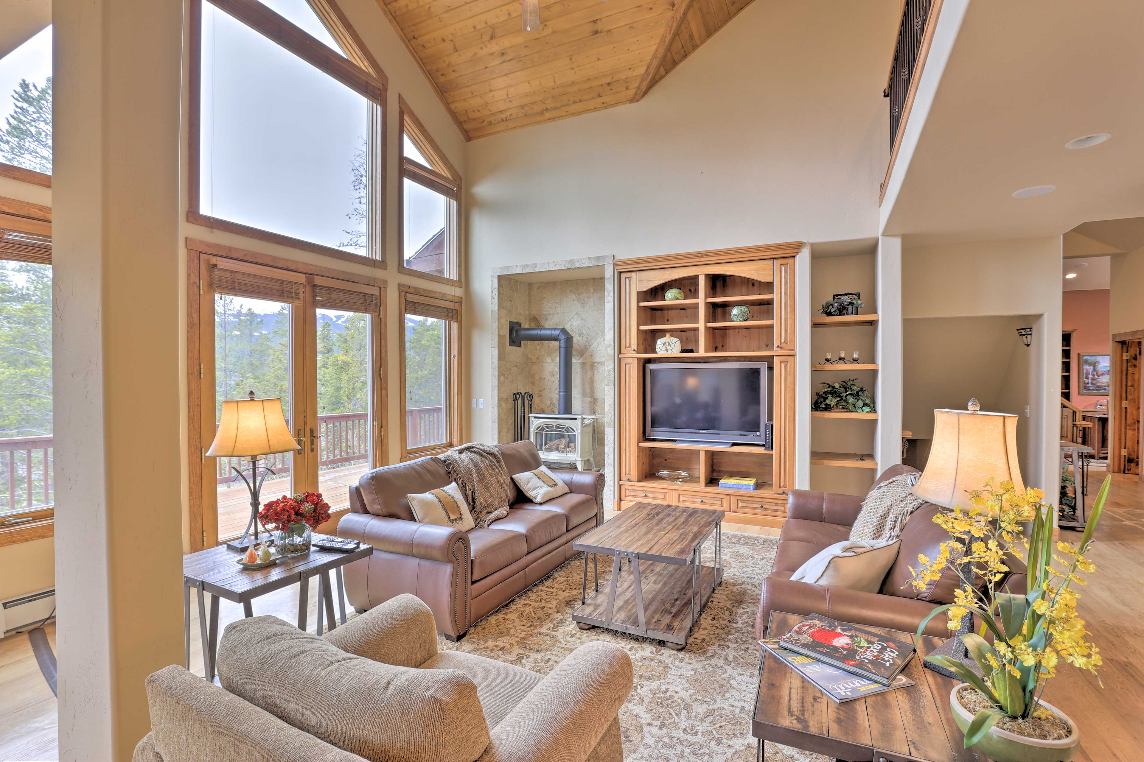 The vacation rental is 2 minutes from Main St. & 5 minutes from BreckConnect.