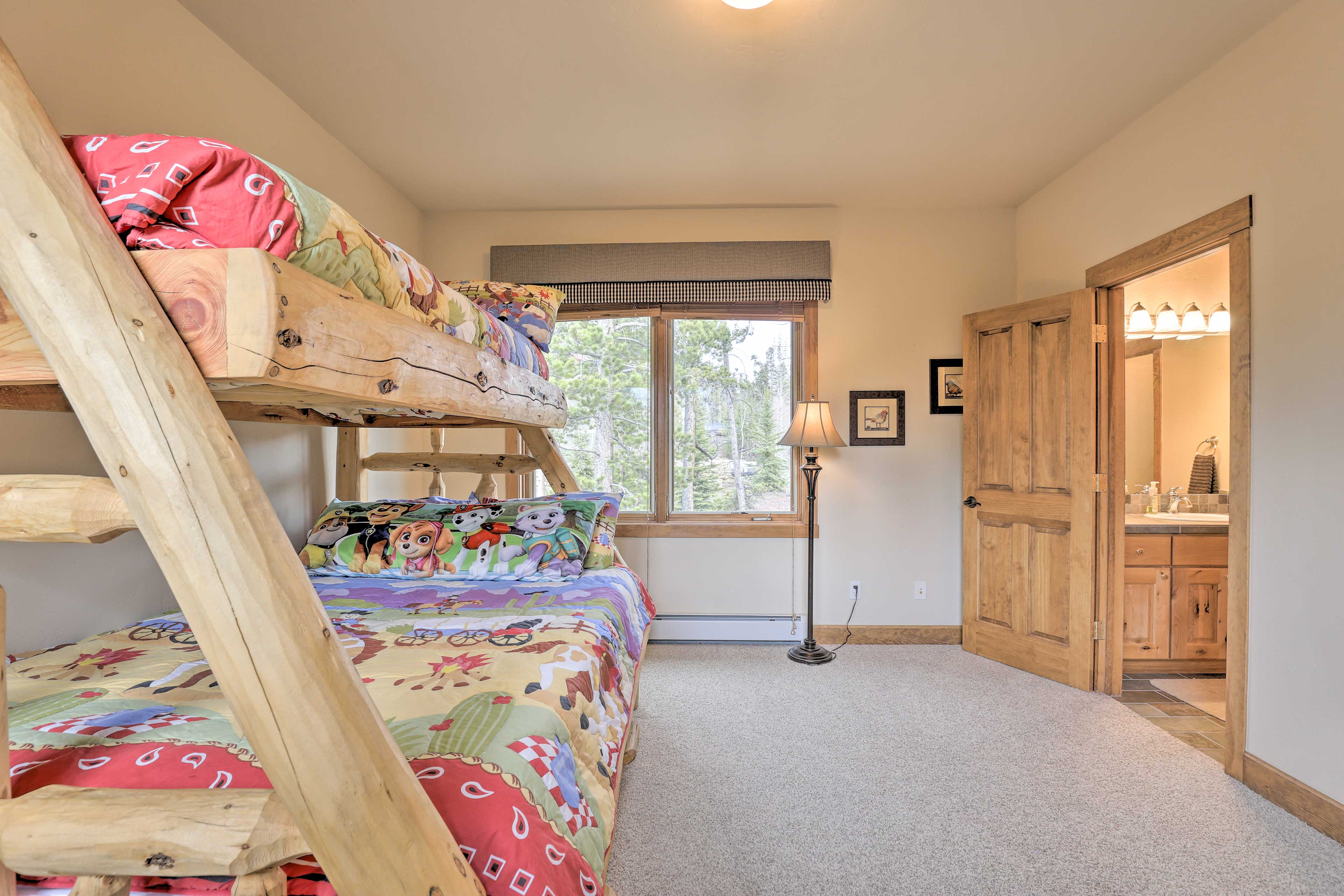 Put your kiddos to sleep in the fourth bedroom!
