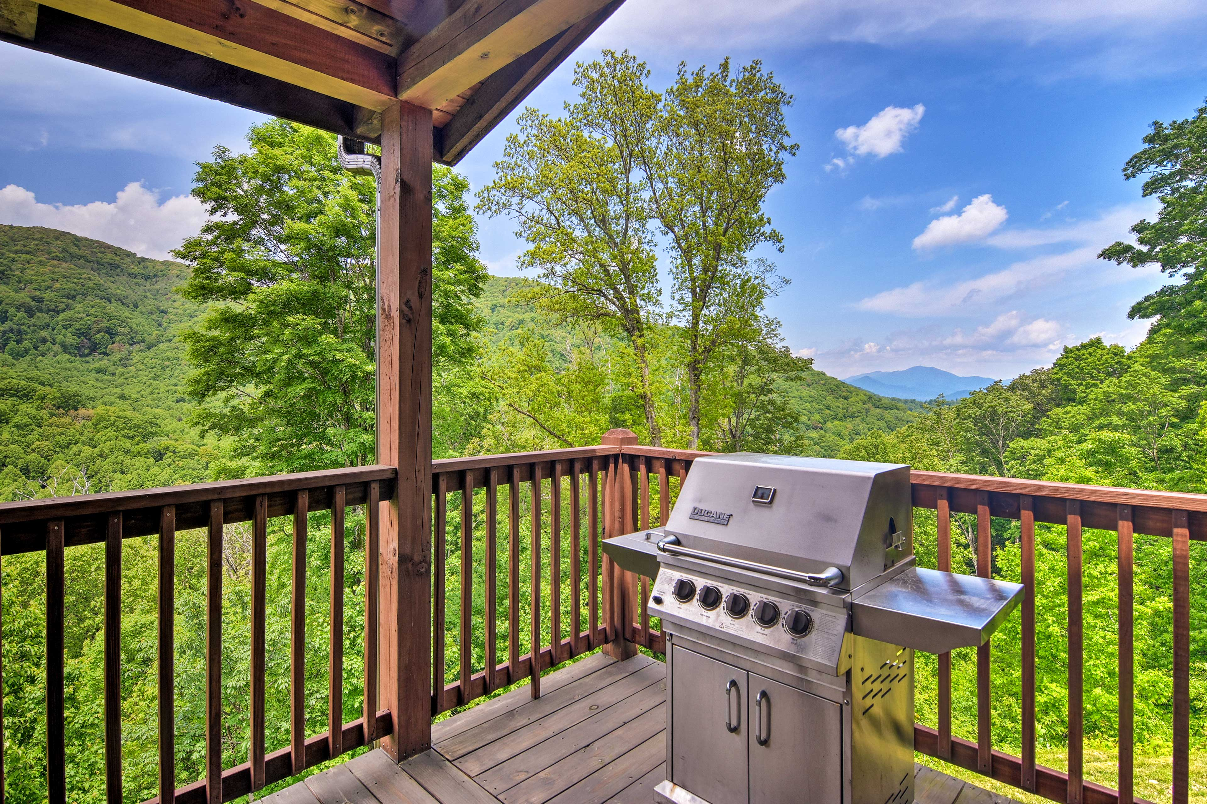 The grill master won't be able to imagine a better cookout spot!