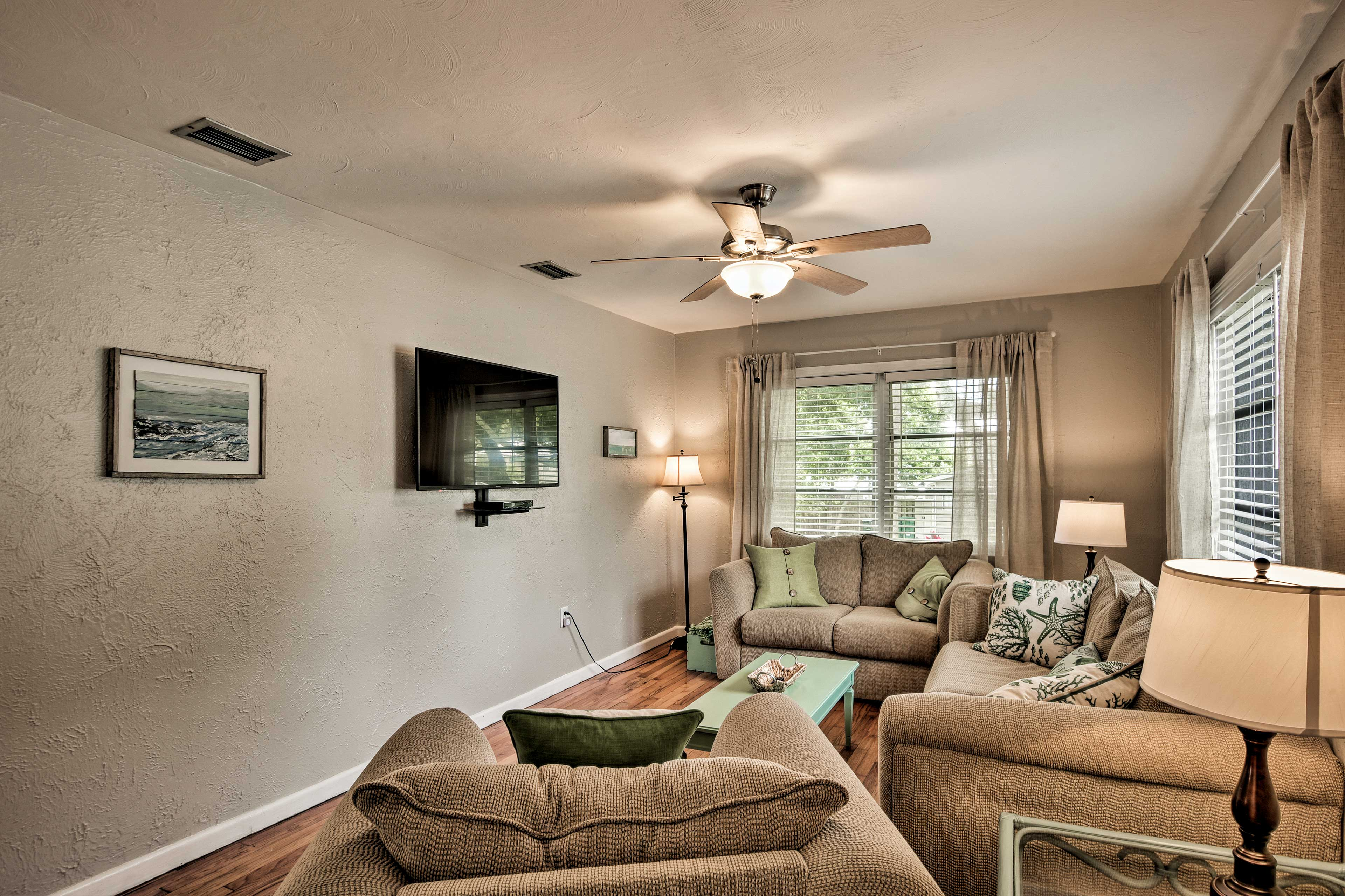 Ceiling fans and central air conditioning will keep you cool.