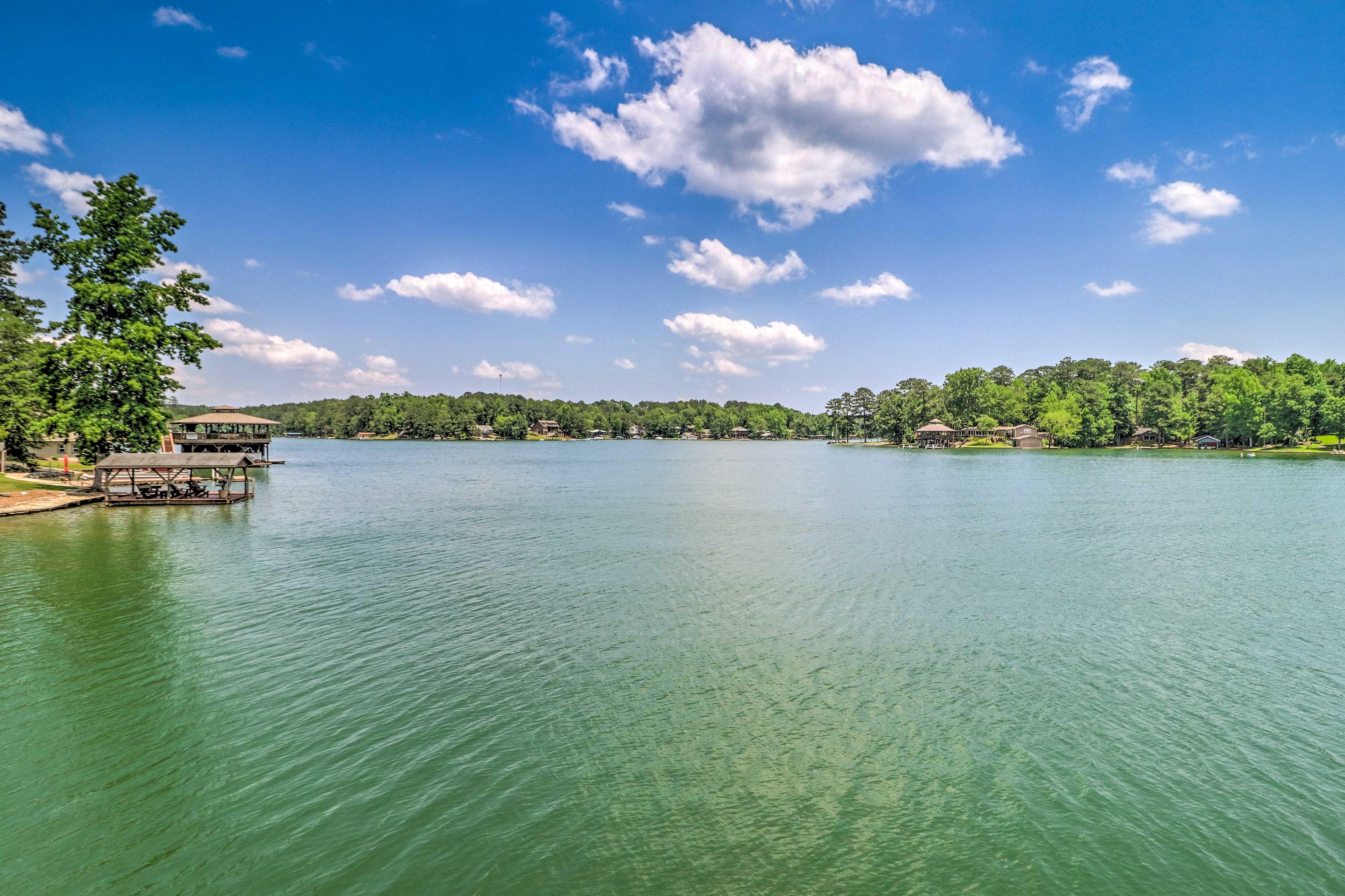 Days of boating, fishing, swimming & kayaking await on Lake Martin!