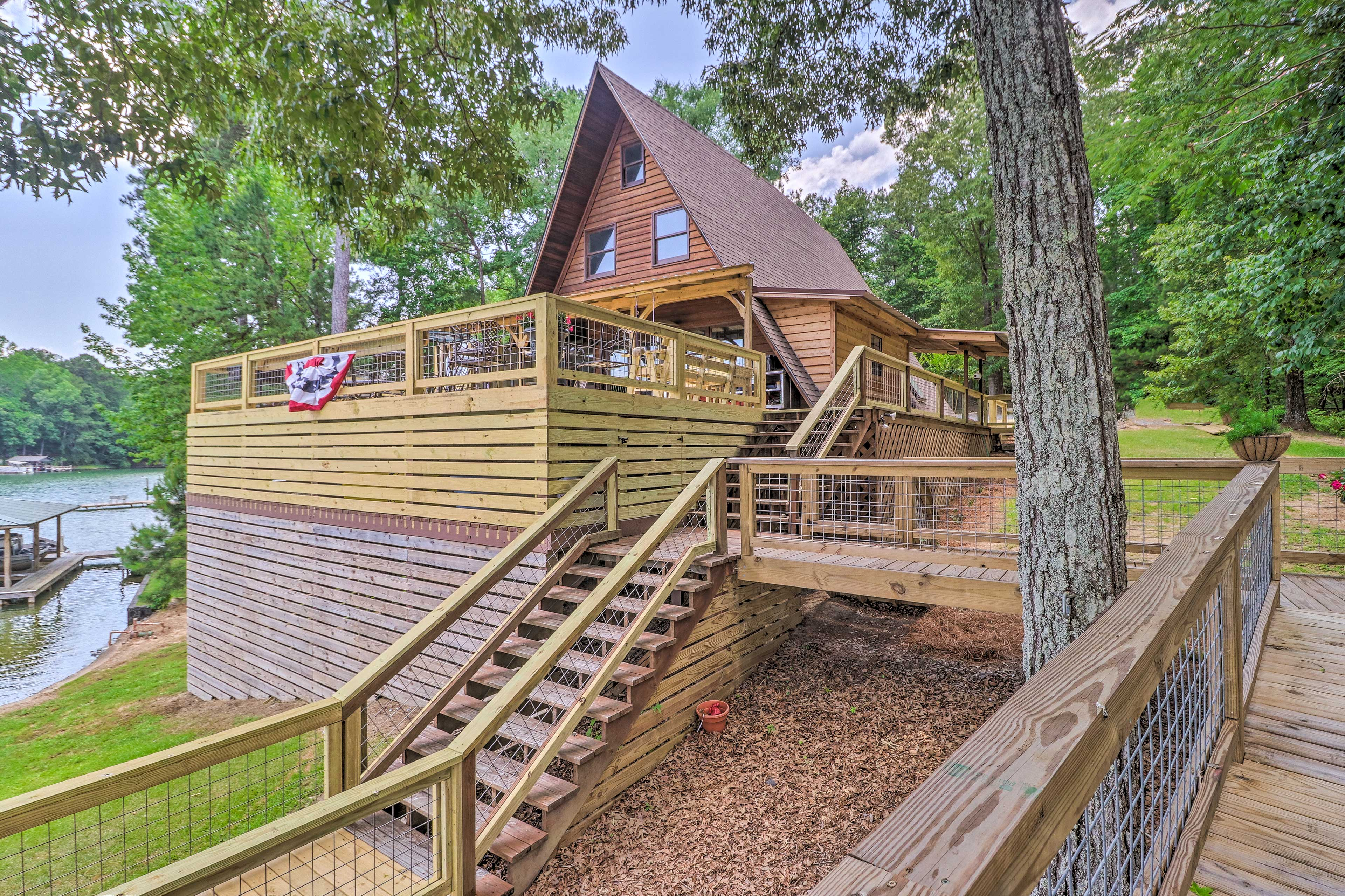 Hang back on the spacious deck or stroll the catwalk and staircase to the dock!