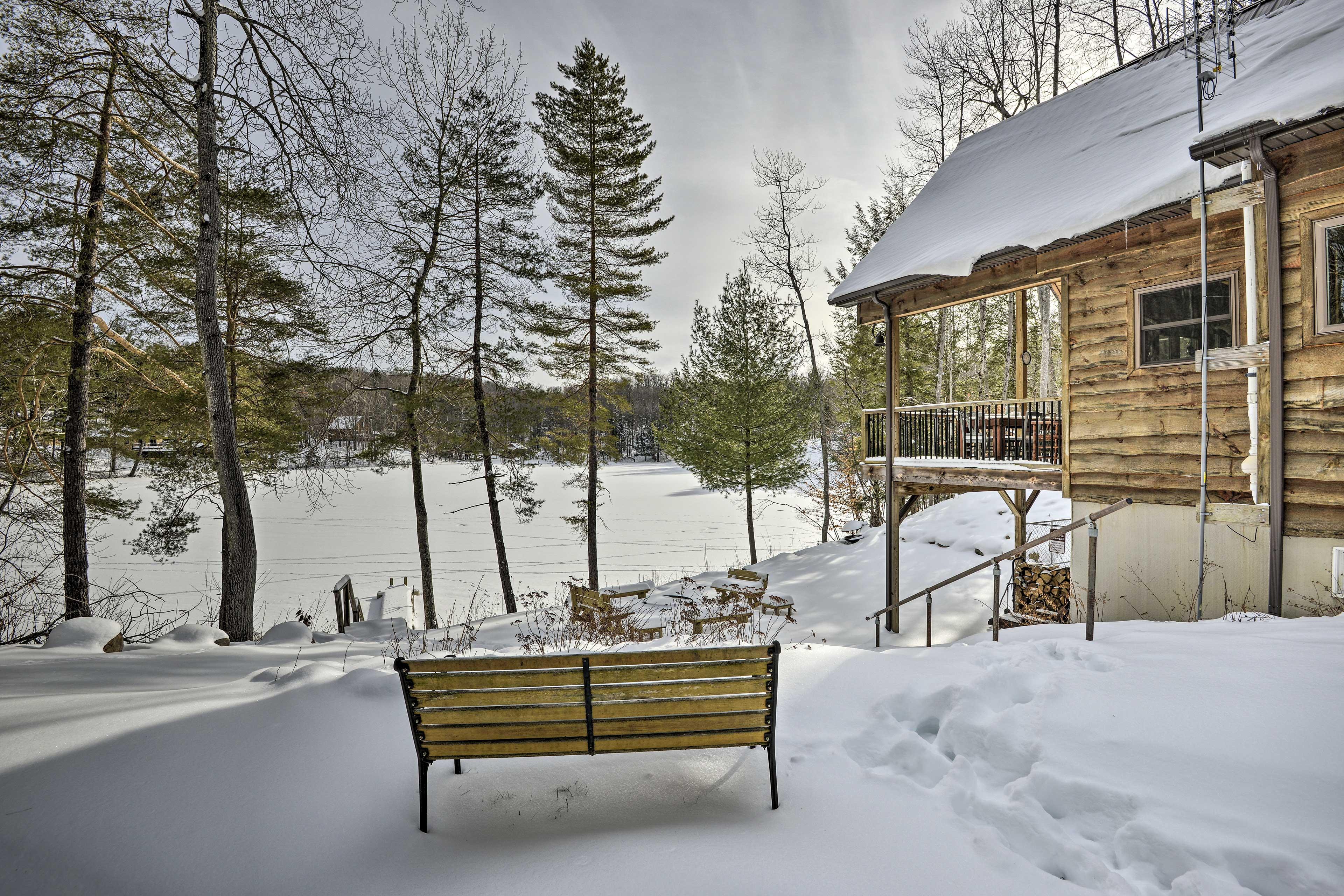 Home Exterior   Private Lake