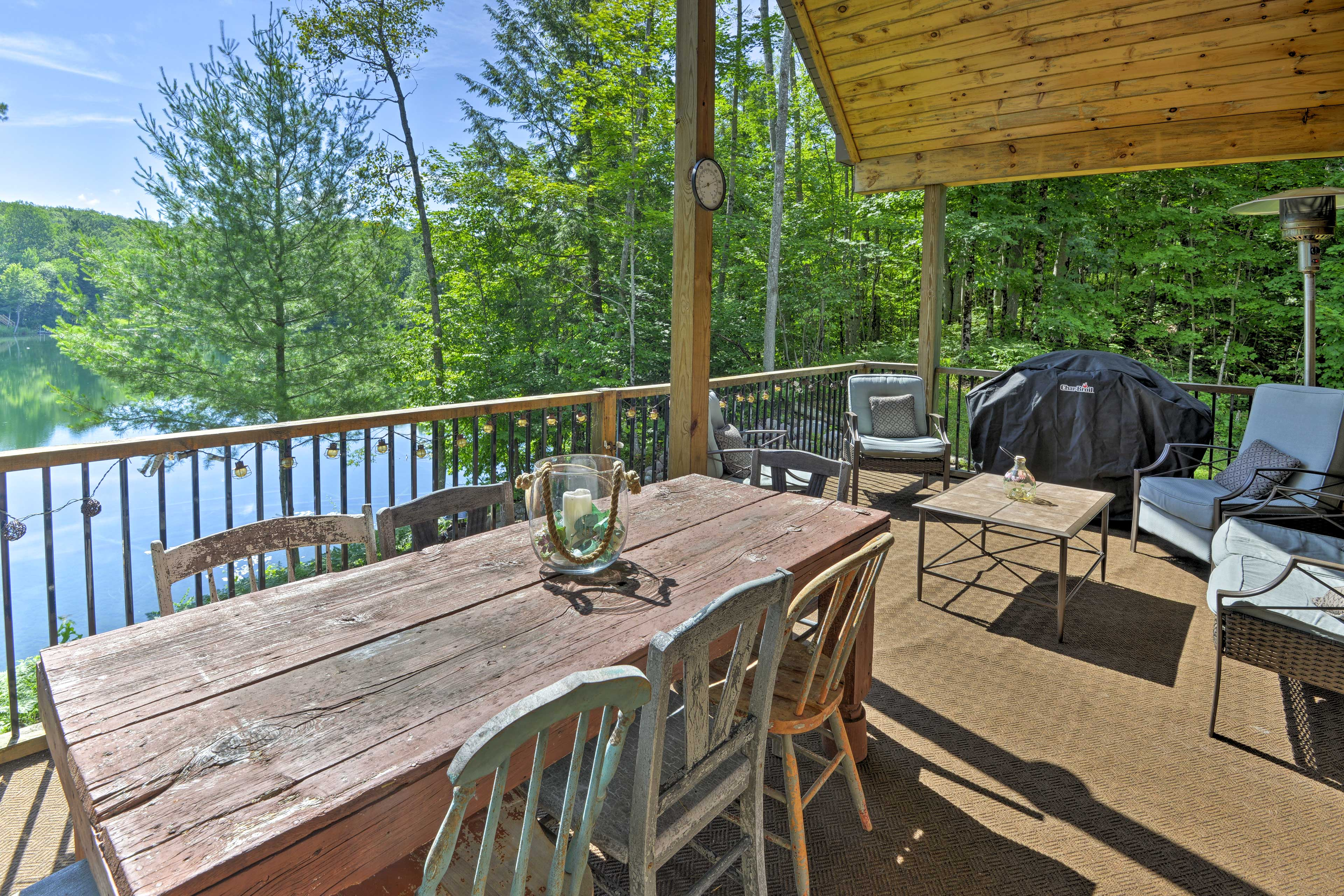 Private Deck   Lake Views
