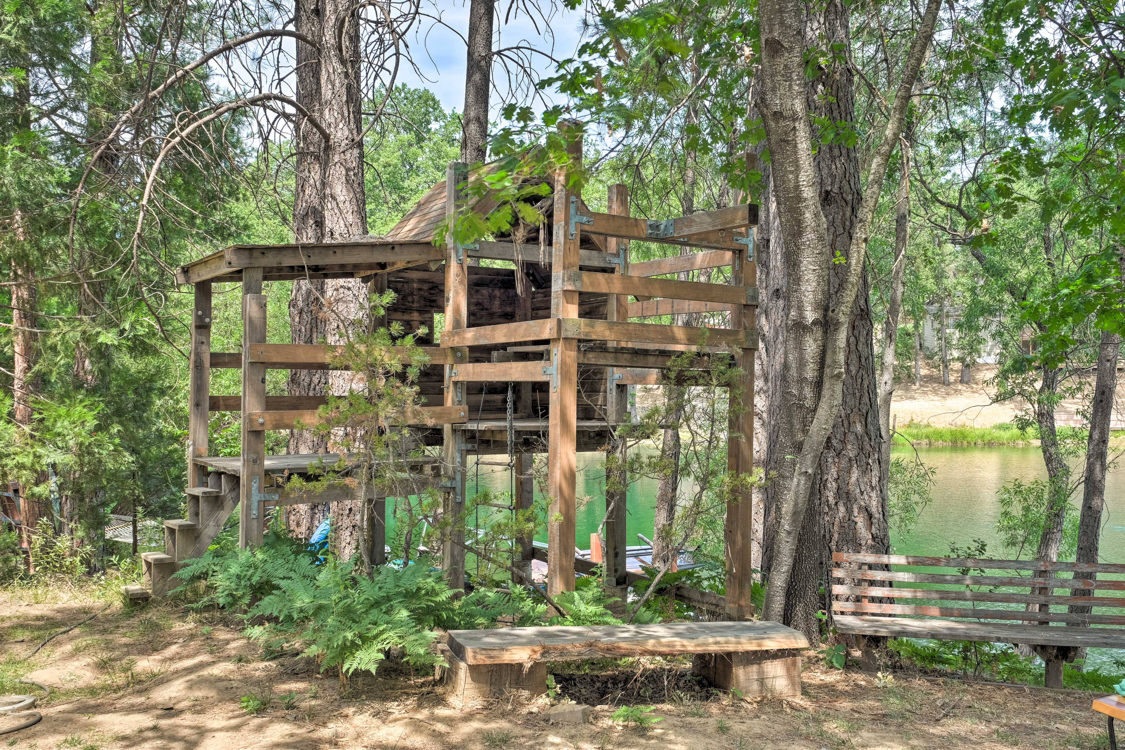 Nearby Treehouse
