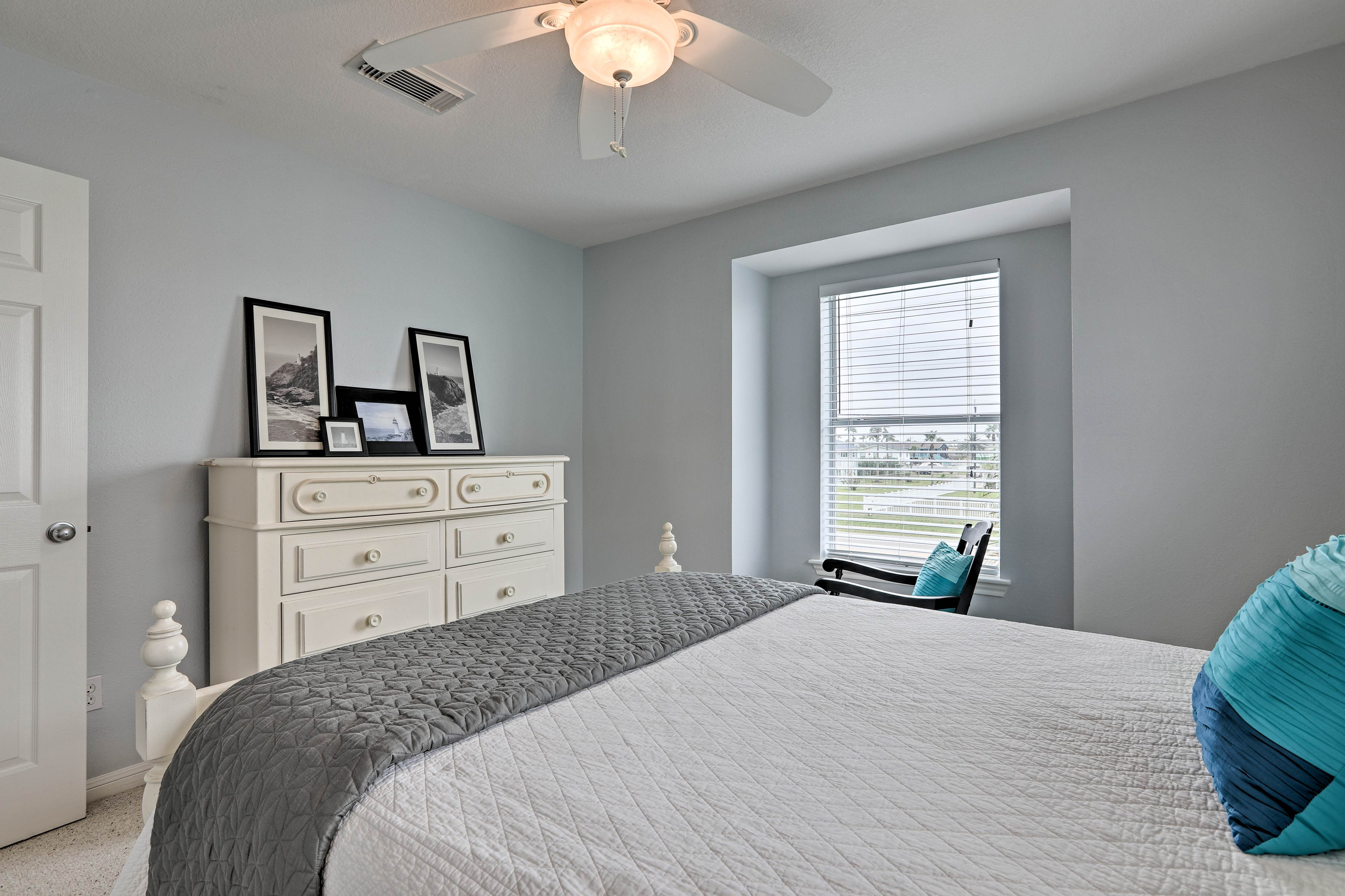 Central air conditioning and ceiling fans are sure to keep you cool.