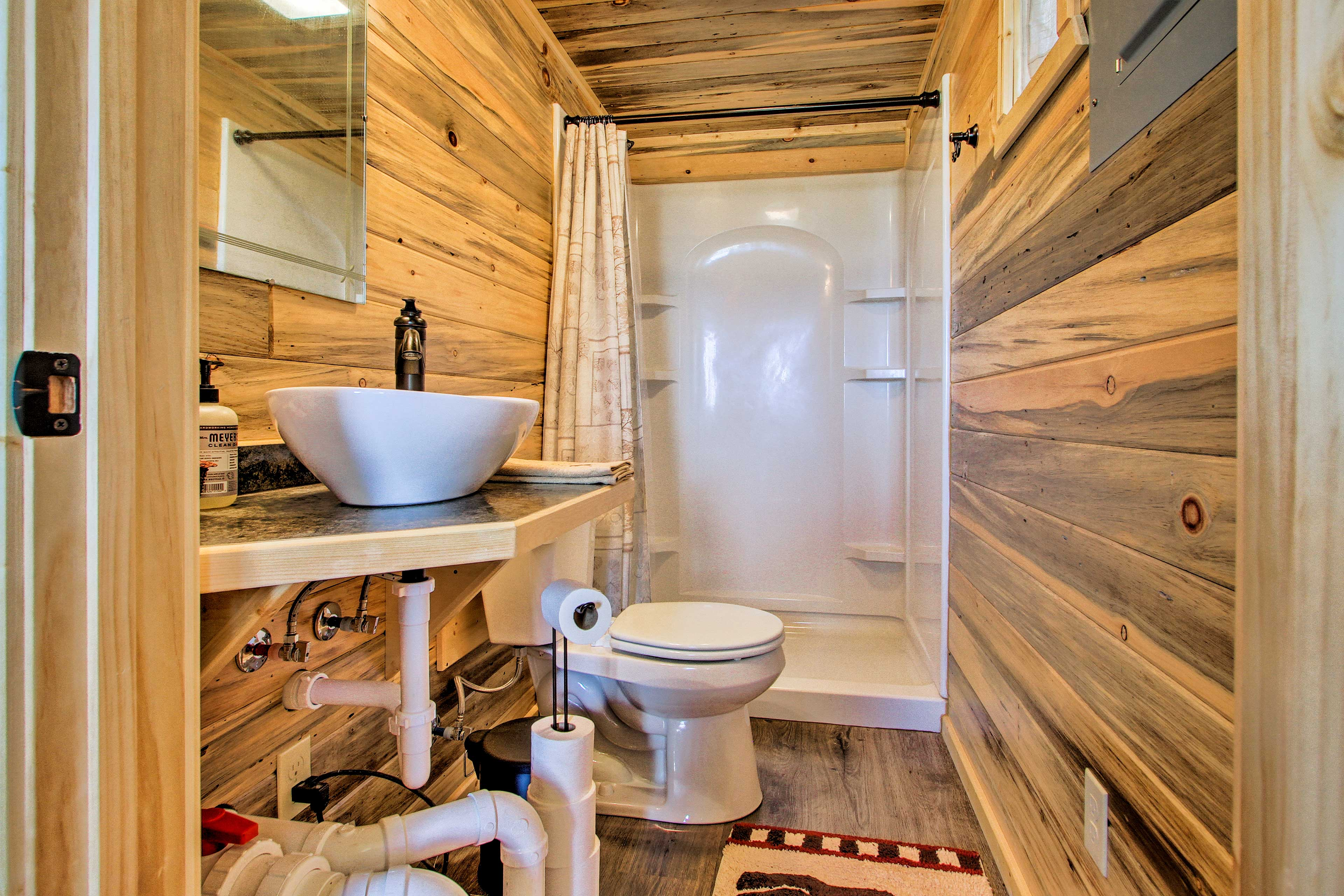 There is one full bathroom in this home.