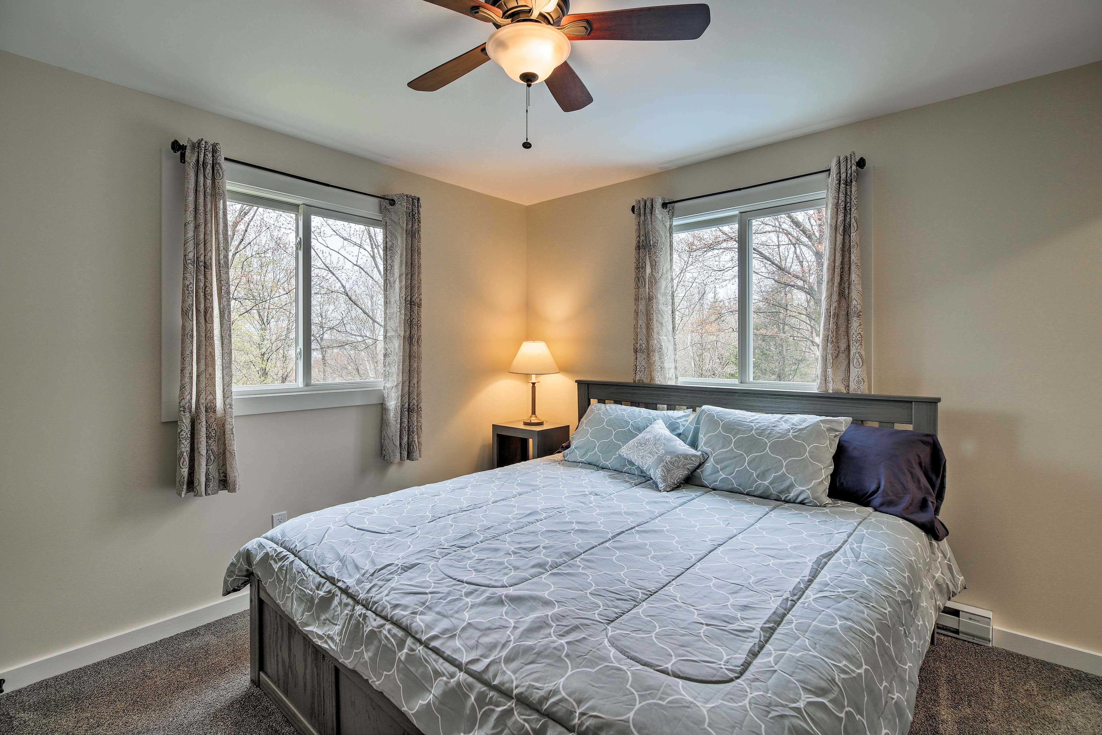 Choose from 3 bedrooms to sleep in.