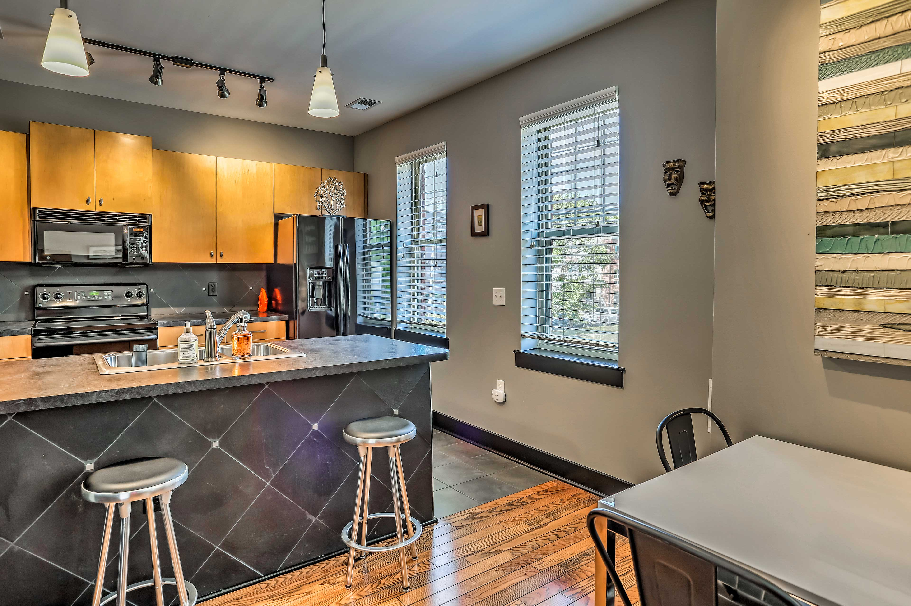 The condo boasts 952 square feet of comfortable living space.