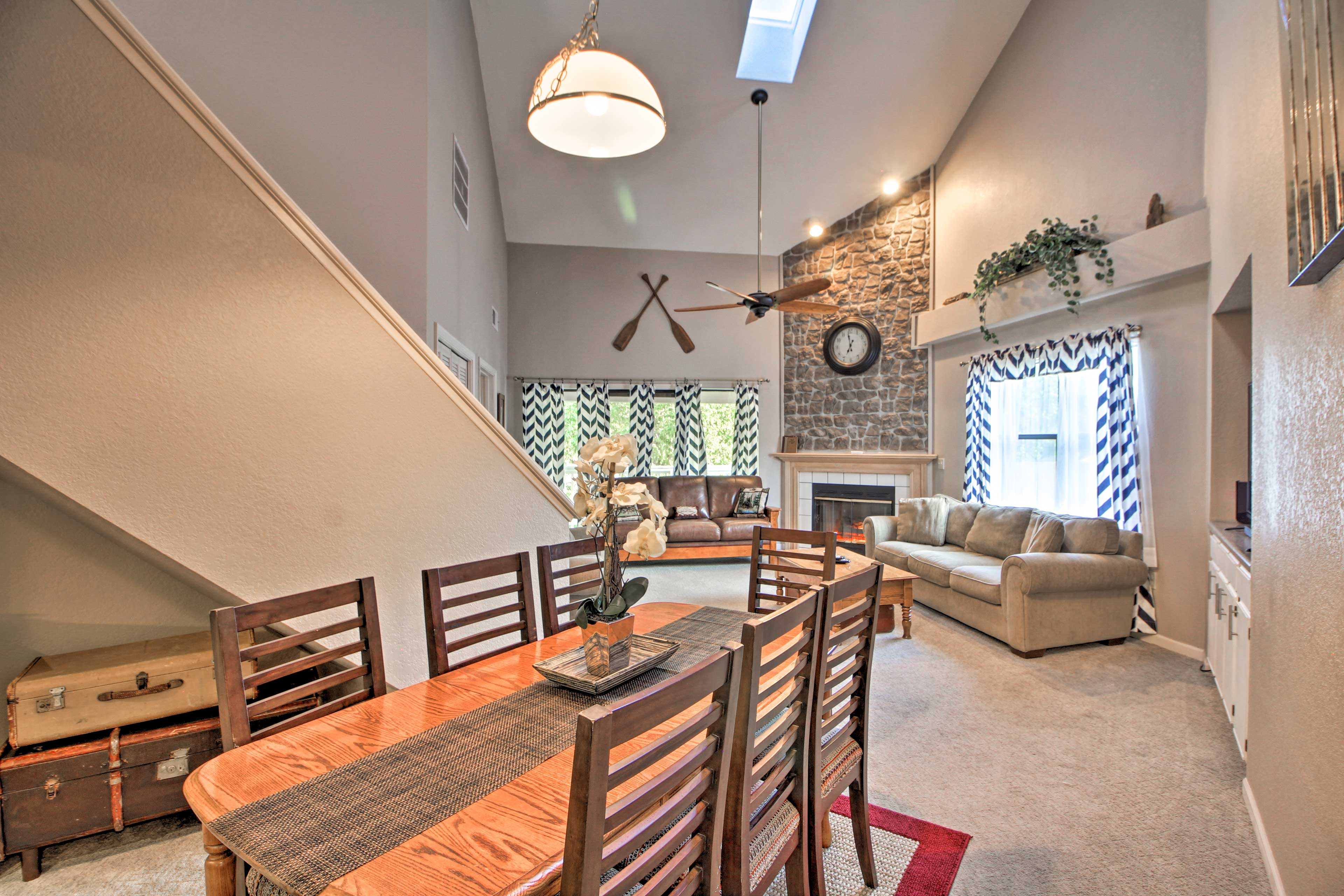 Branson Vacation Rental Condo | 4BR | 3BA | 2,200 Sq Ft | Stairs Required