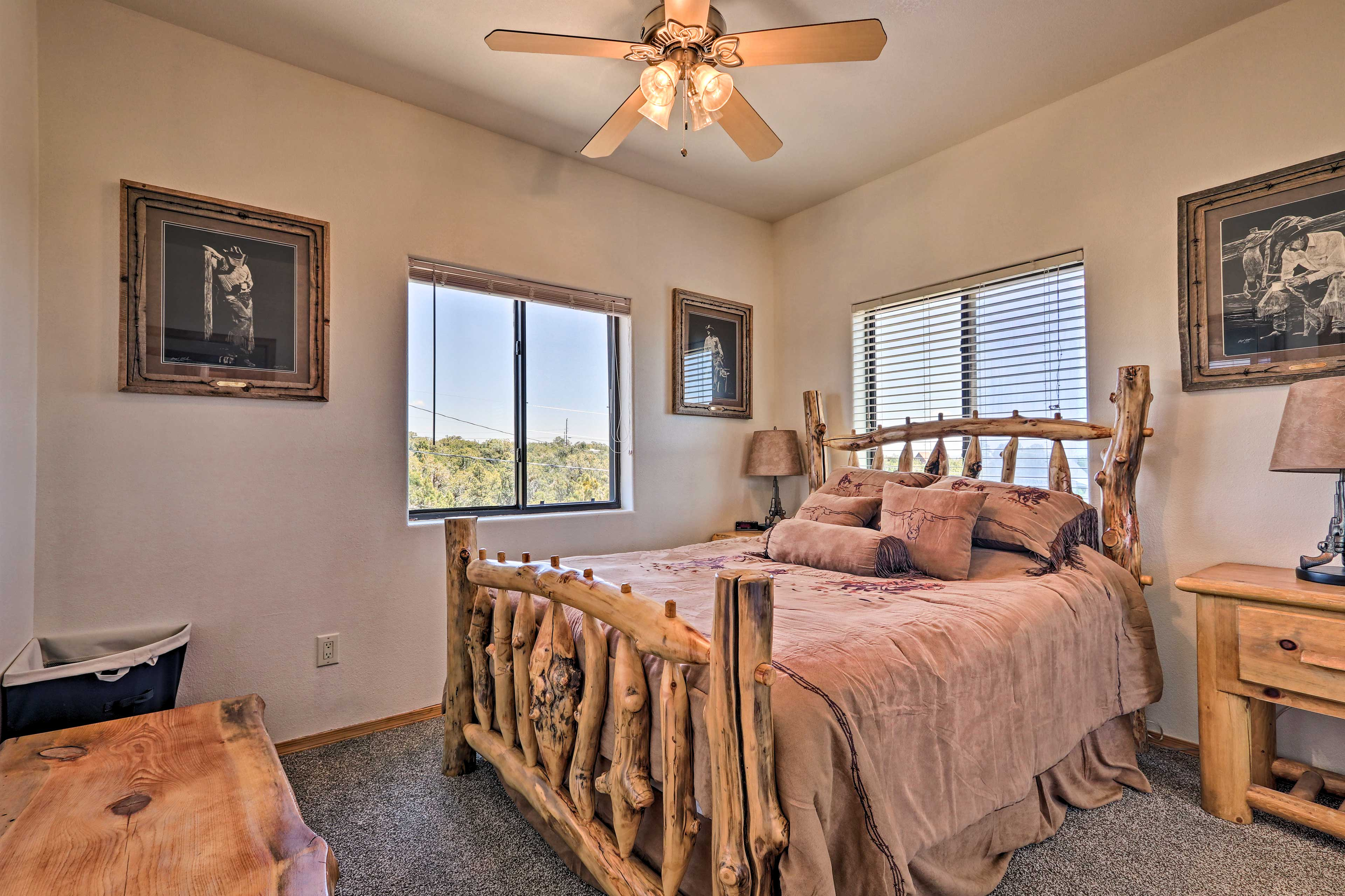 The 3rd bedroom features a queen bed for 2.