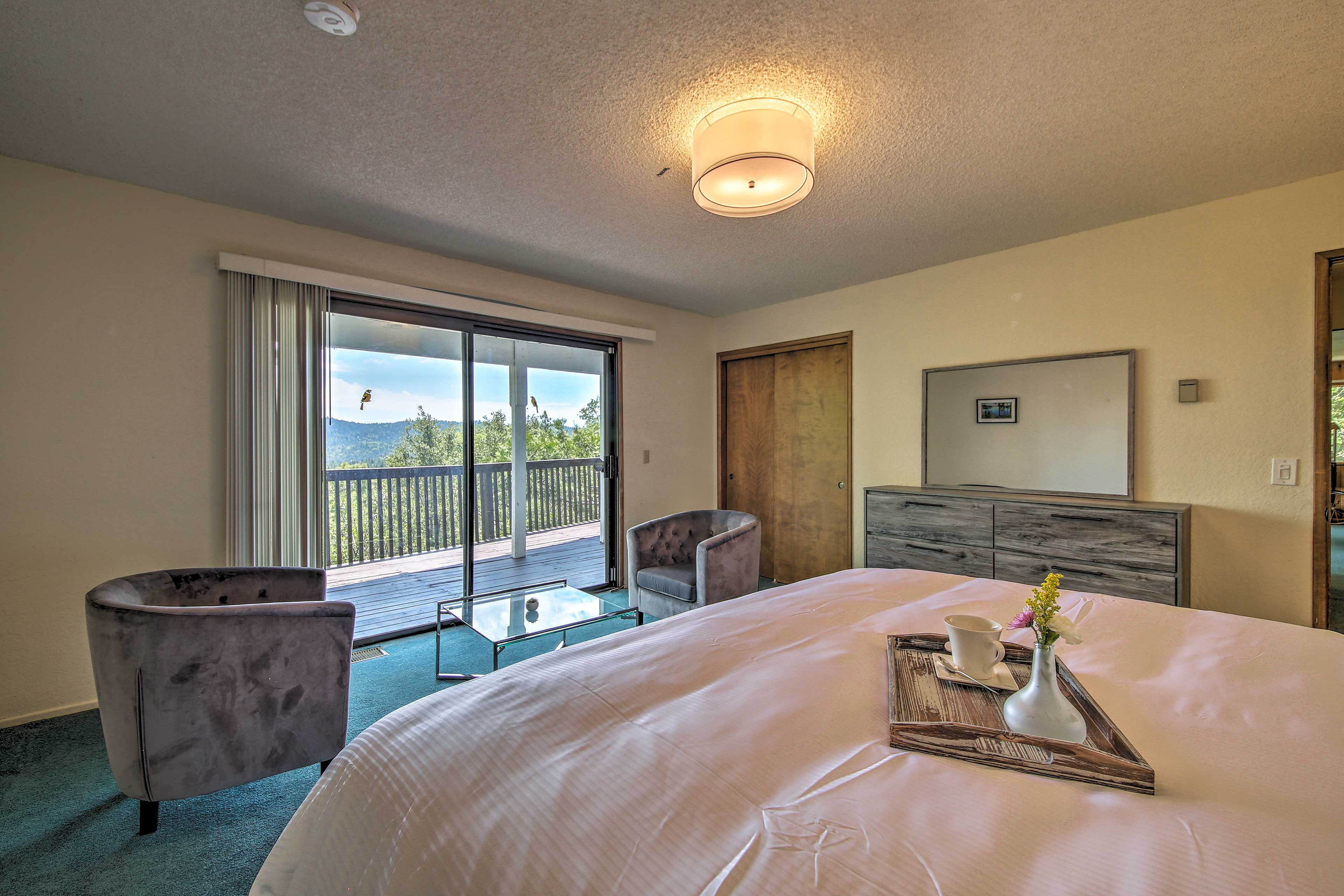 Wake up to views of the landscape each morning from your king-sized bed.