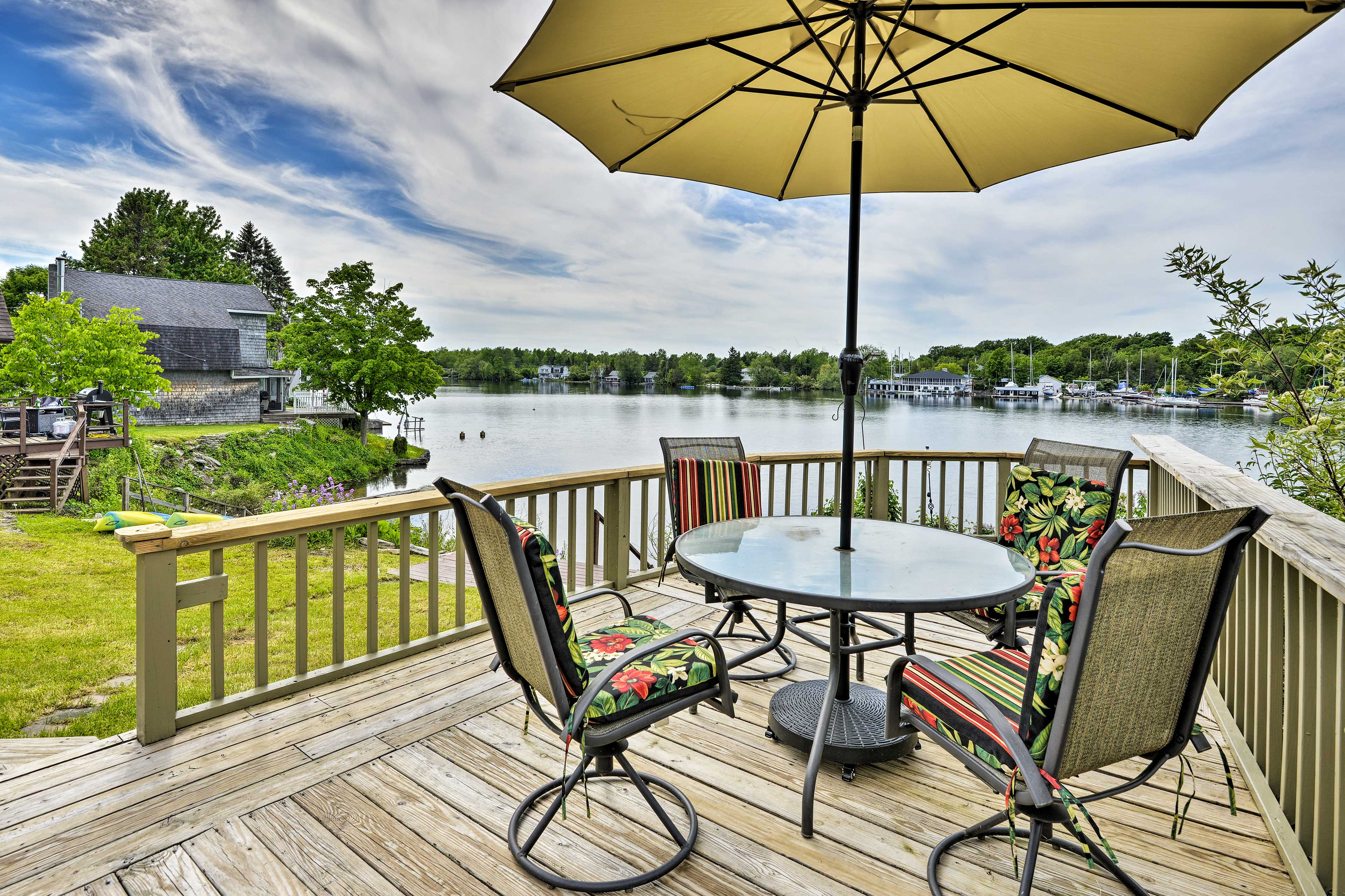Groups of 8 will quickly fall in love with Chaumont Bay from this lovely cottage