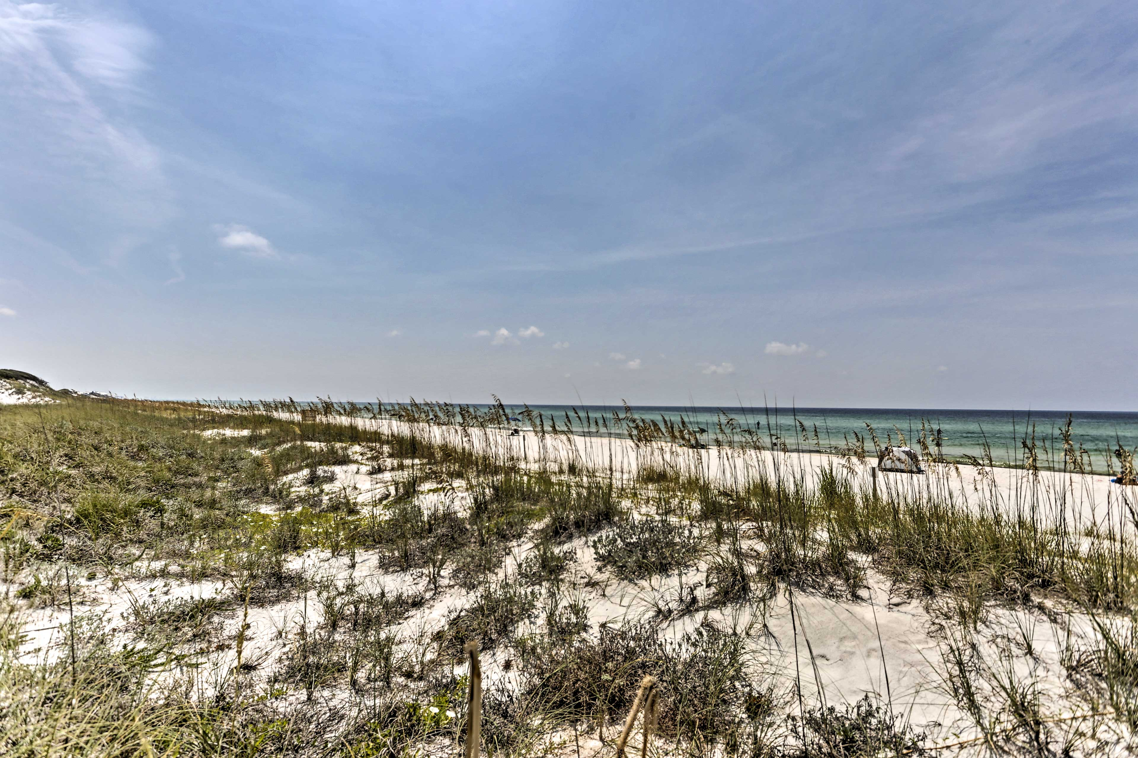 Embrace the coastal lifestyle while staying at this wonderful townhome!