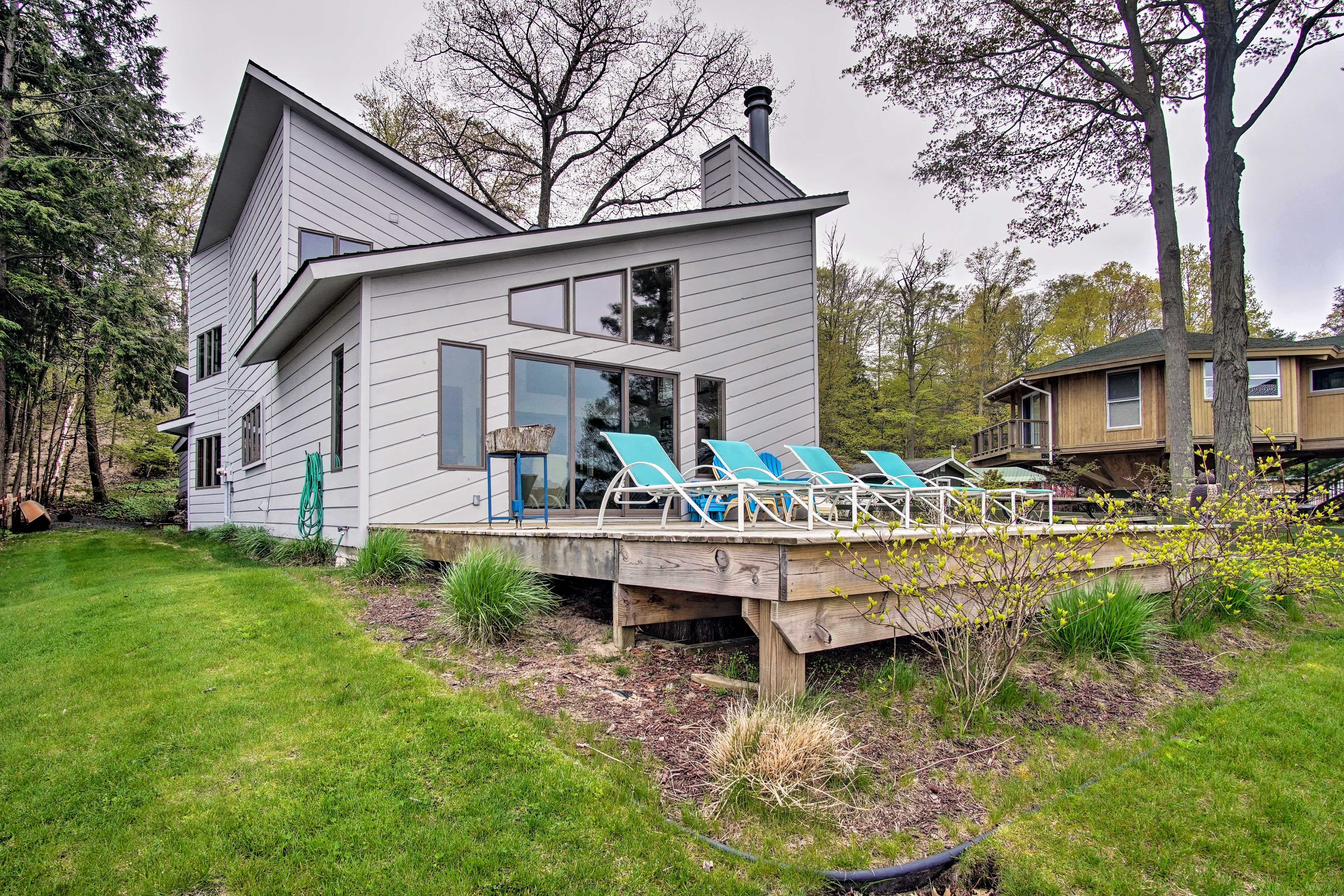 This 5 bedroom, 2.5-bath vacation rental offers plenty of space for guests!