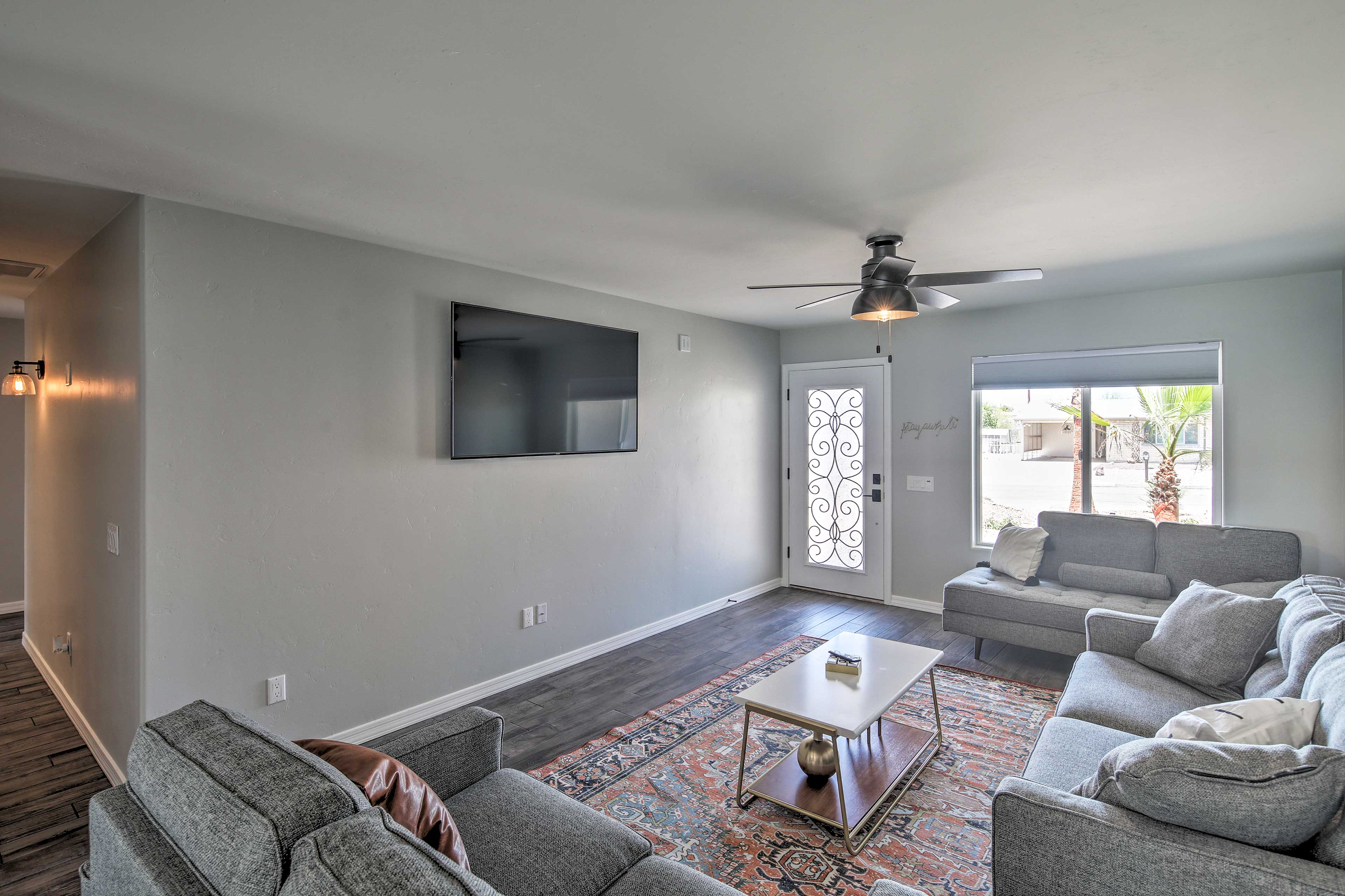 The air conditioning and ceiling fans will keep you cool!