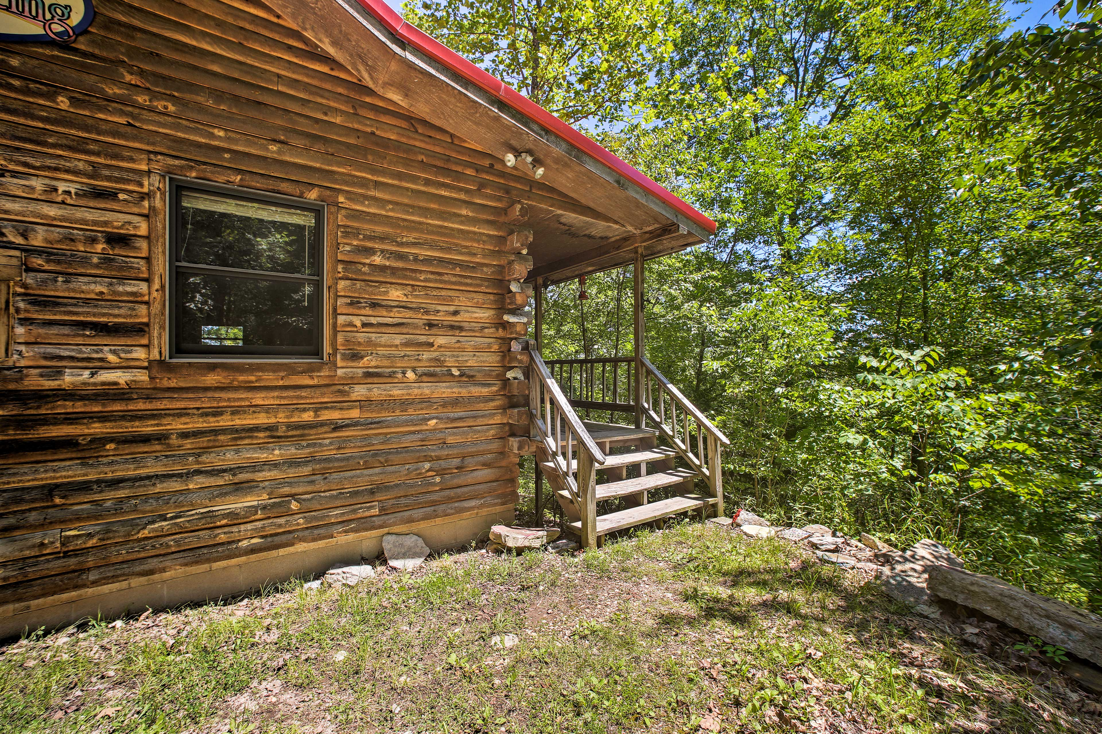 You'll love coming home to this cabin each day.